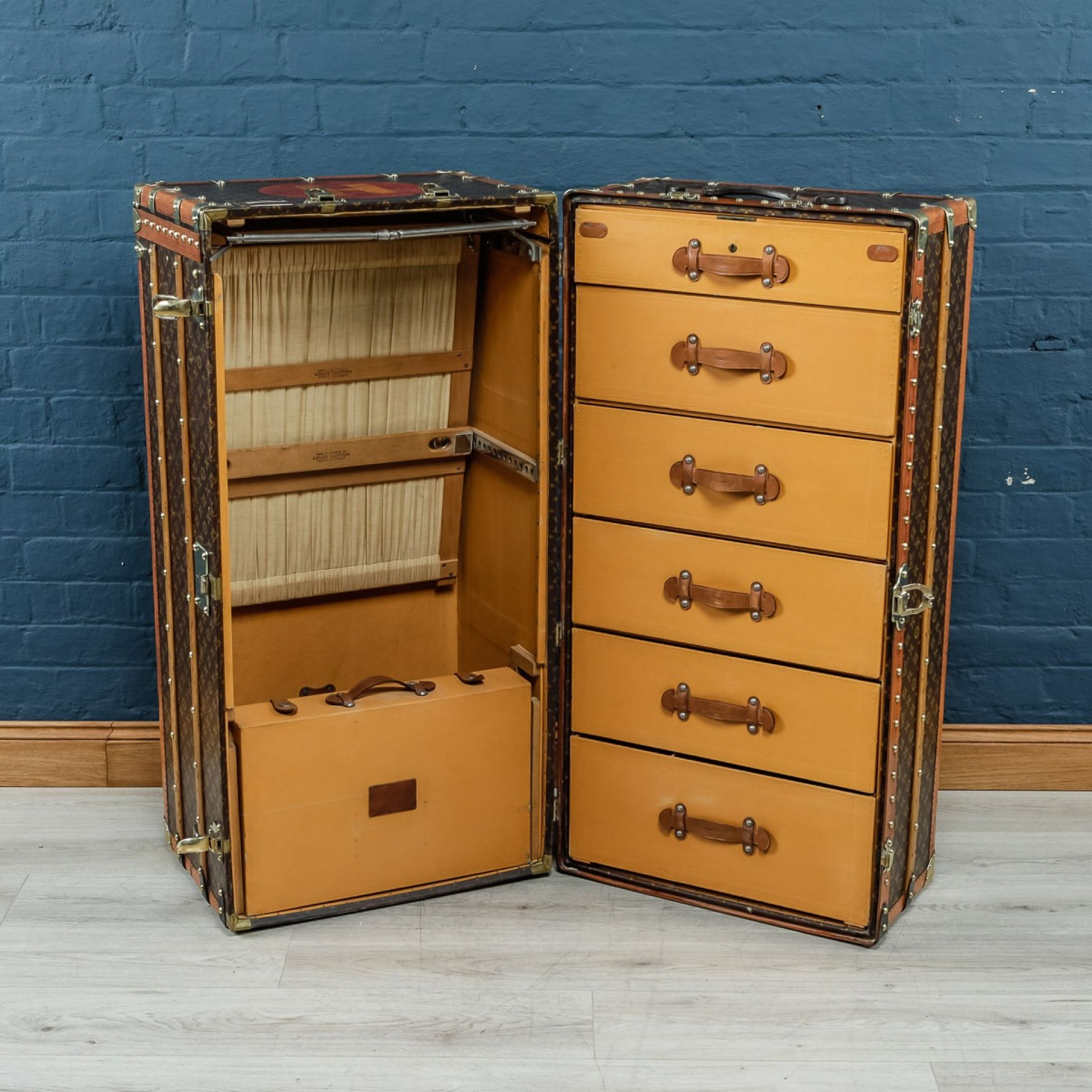 ANTIQUE 20thC MASSIVE LOUIS VUITTON WARDROBE TRUNK c.1900