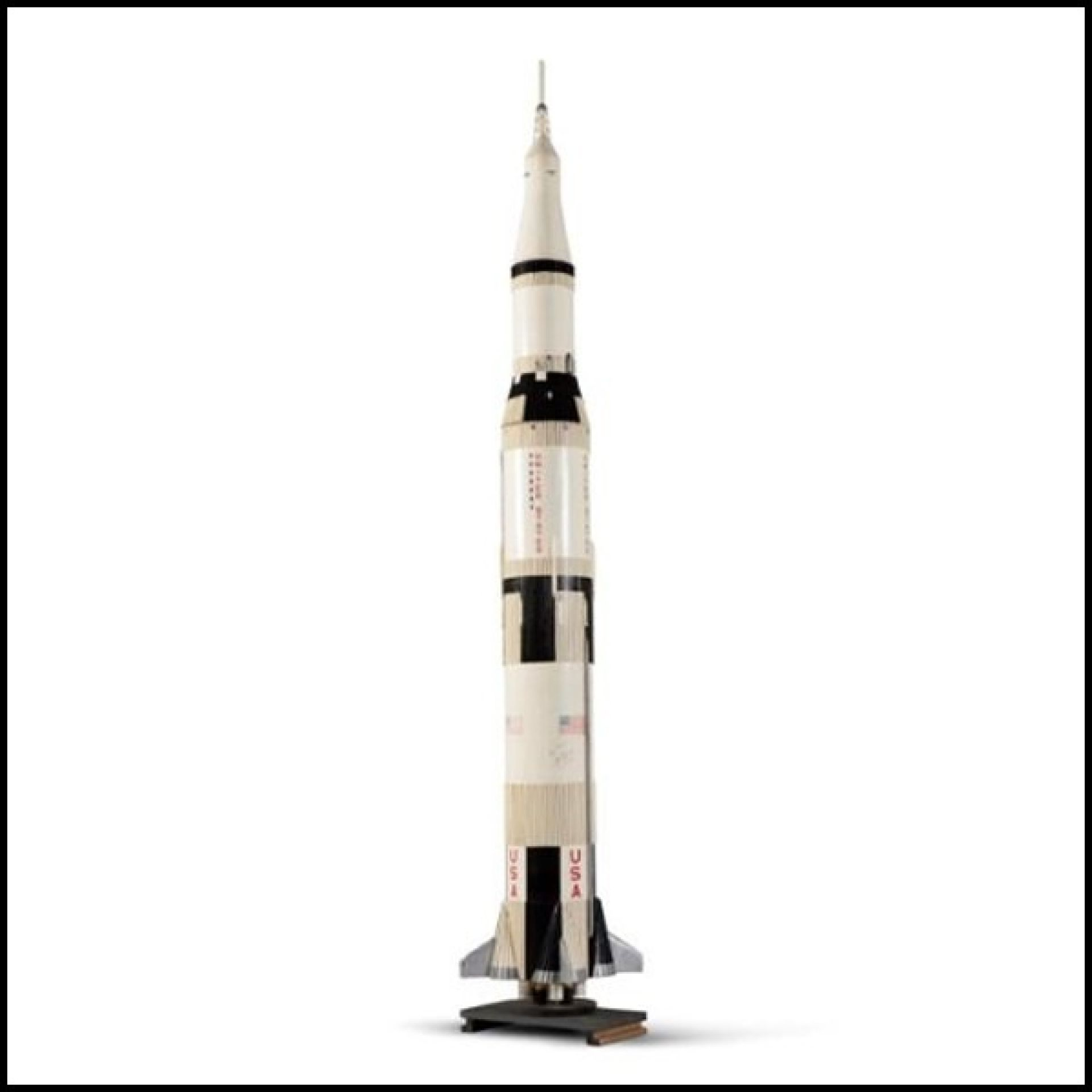 MODEL ROCKET WOOD INCLUDING BALSA AND EPOXY RESIN SCALE 1 / 25TH PC-SATURN V