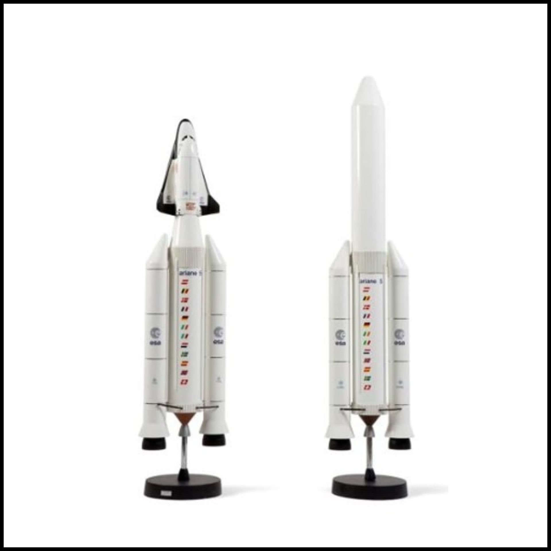 MODEL ROCKET WOOD AND EPOXY RESIN SCALE 1 / 33TH PC-ARIANE V & HERMES