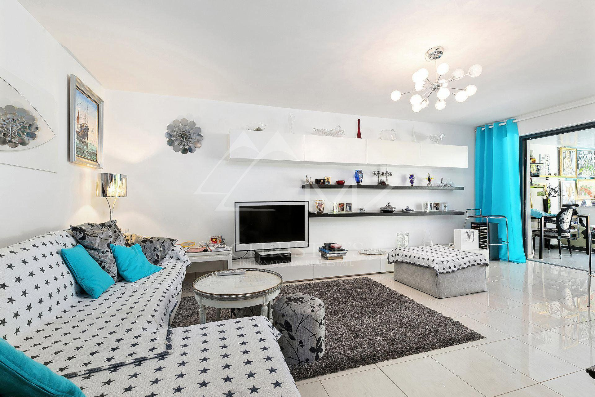 Cannes - Close to Croisette - New residence