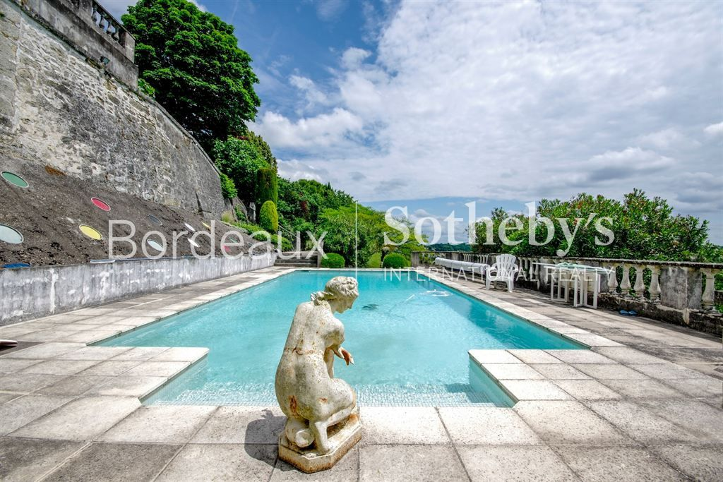 45MN BORDEAUX - ENTRE-DEUX-MERS AREA - LOVELY COUNTRY-SIDE PROPERTY - SWIMMING POOL - TENNIS - 3,5HA