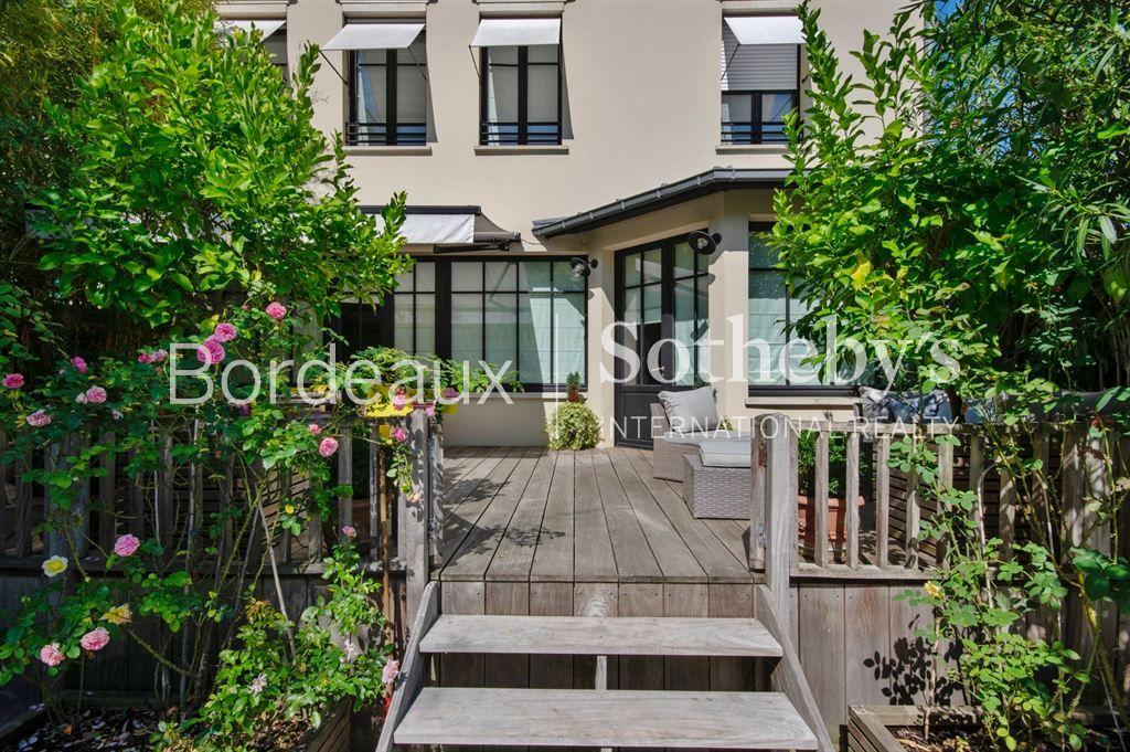 Preview – Bordeaux Caudéran – Beautiful family house – garden with pool – garage
