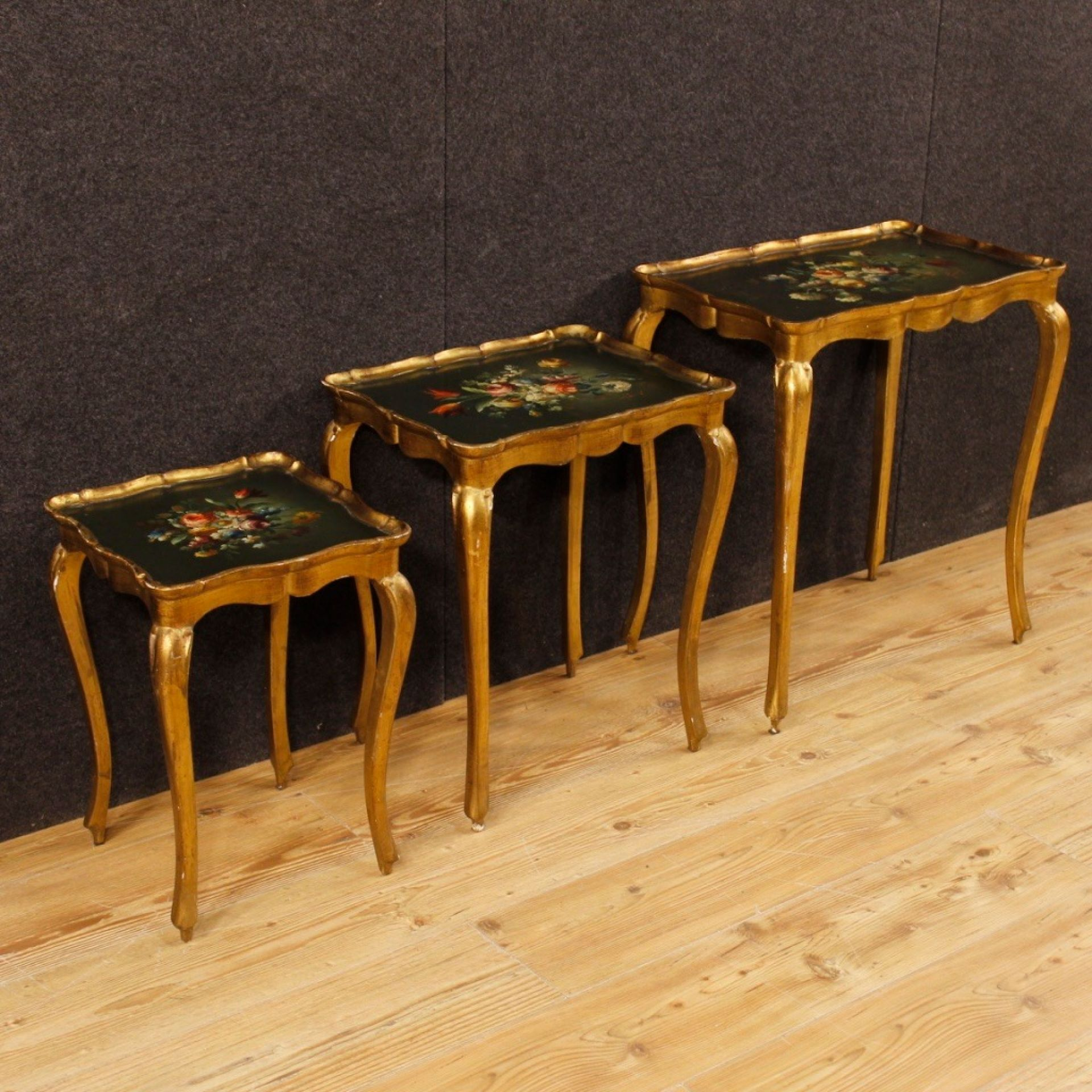 20th Century Italian Painted And Gilded Wood Set Of 3 Coffee Tables, 1970