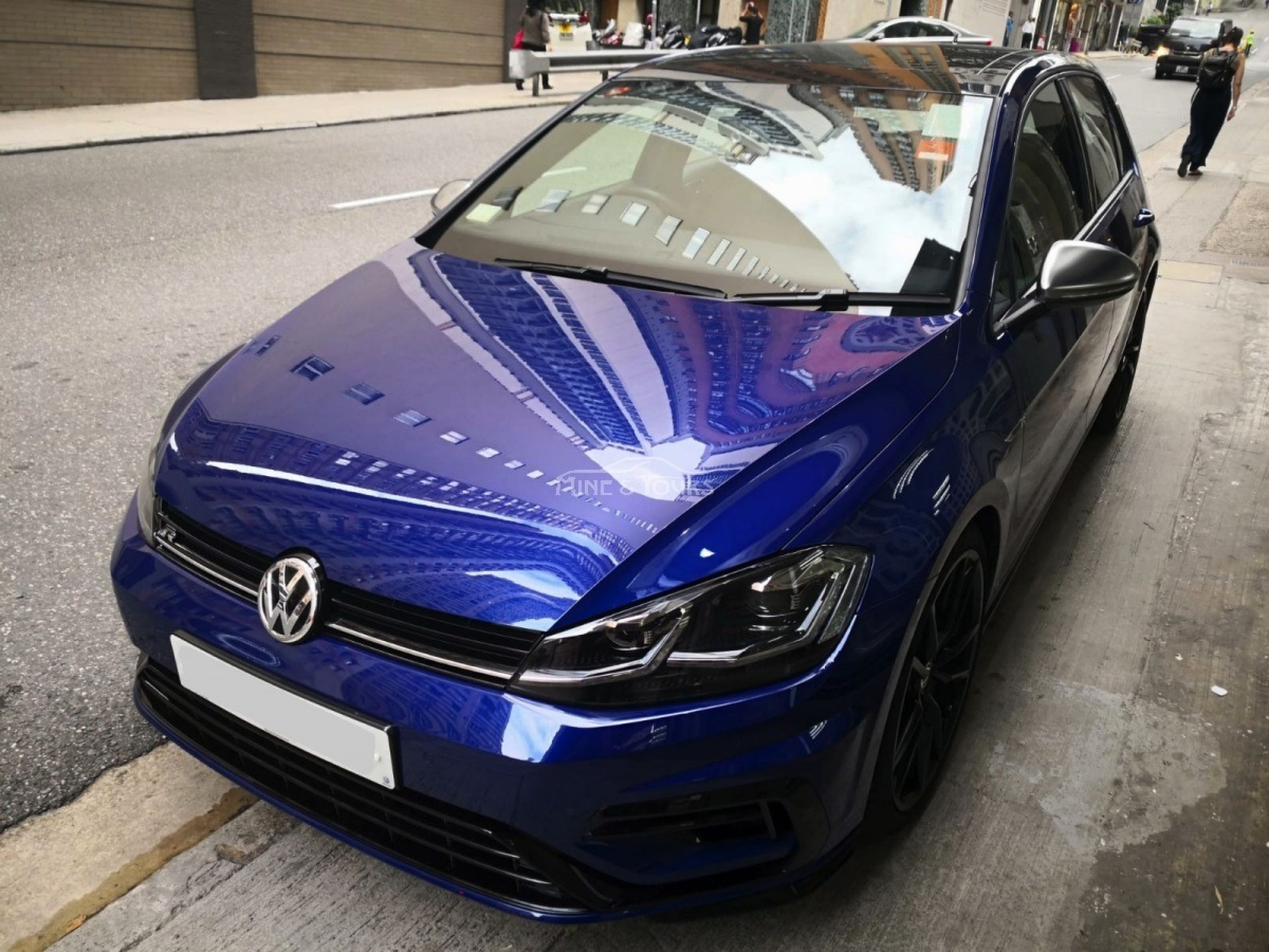 2017 Volkswagen New Golf R
