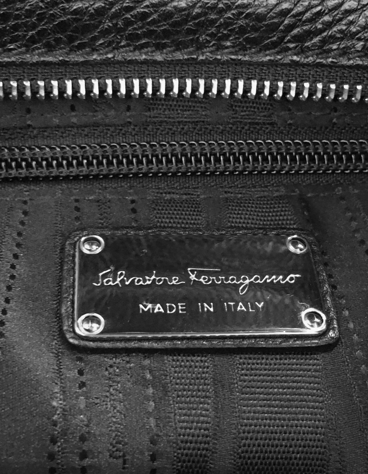 FERRAGAMO Medium Sofia Messenger Bag