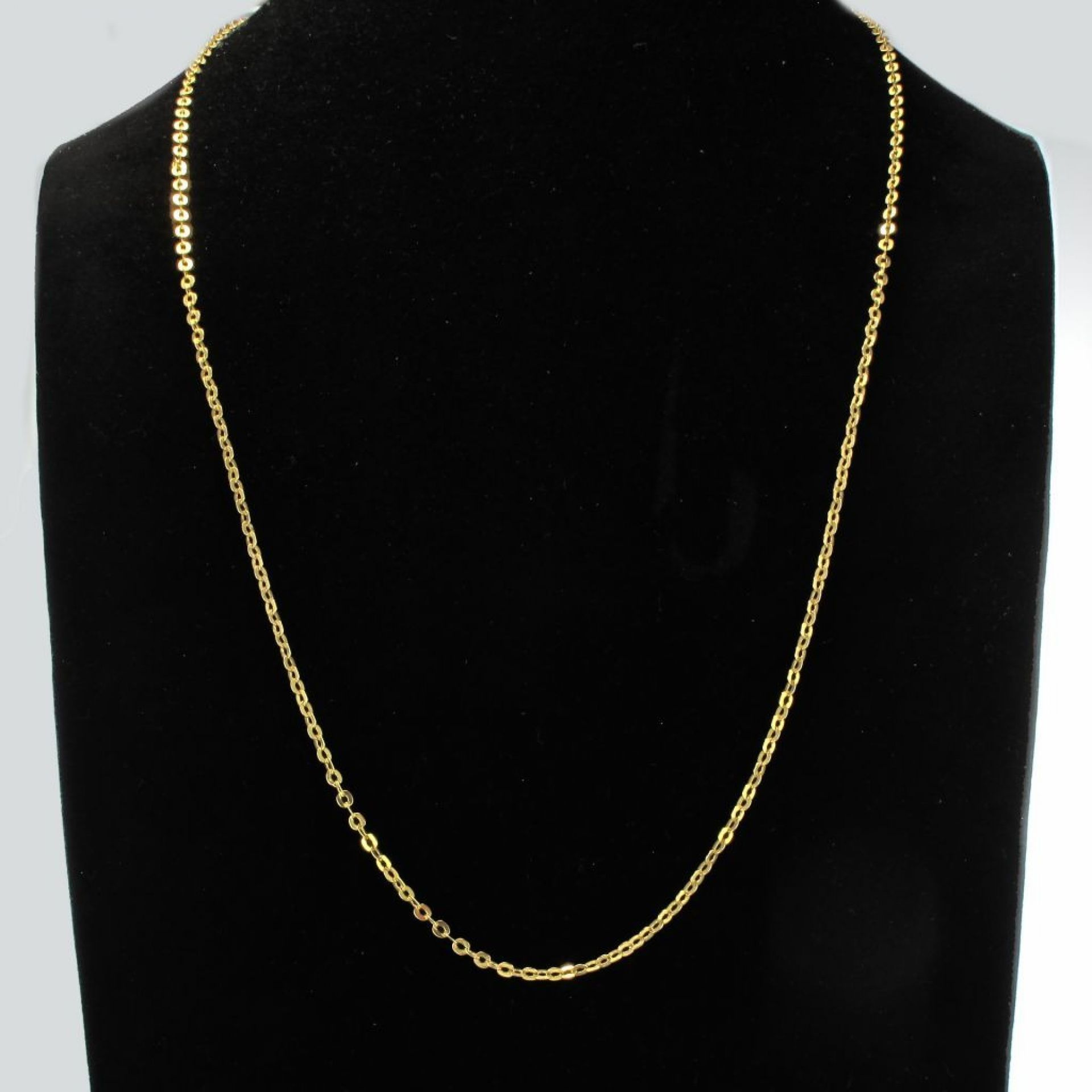 Yellow gold chain flat oval links