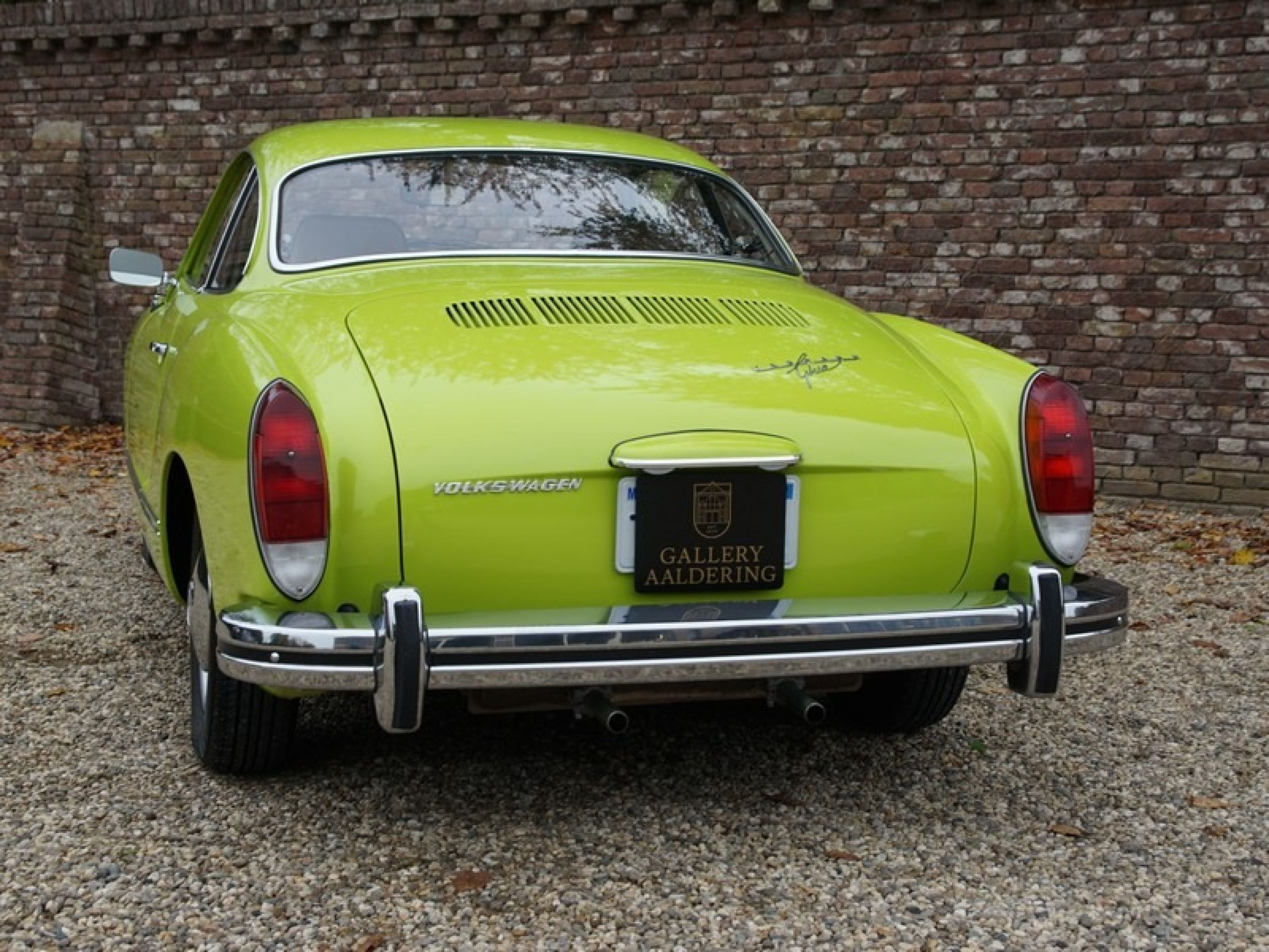 VOLKSWAGEN KARMANN GHIA COUPE ONLY 4.268 MILES, MATCHING NUM (1974)