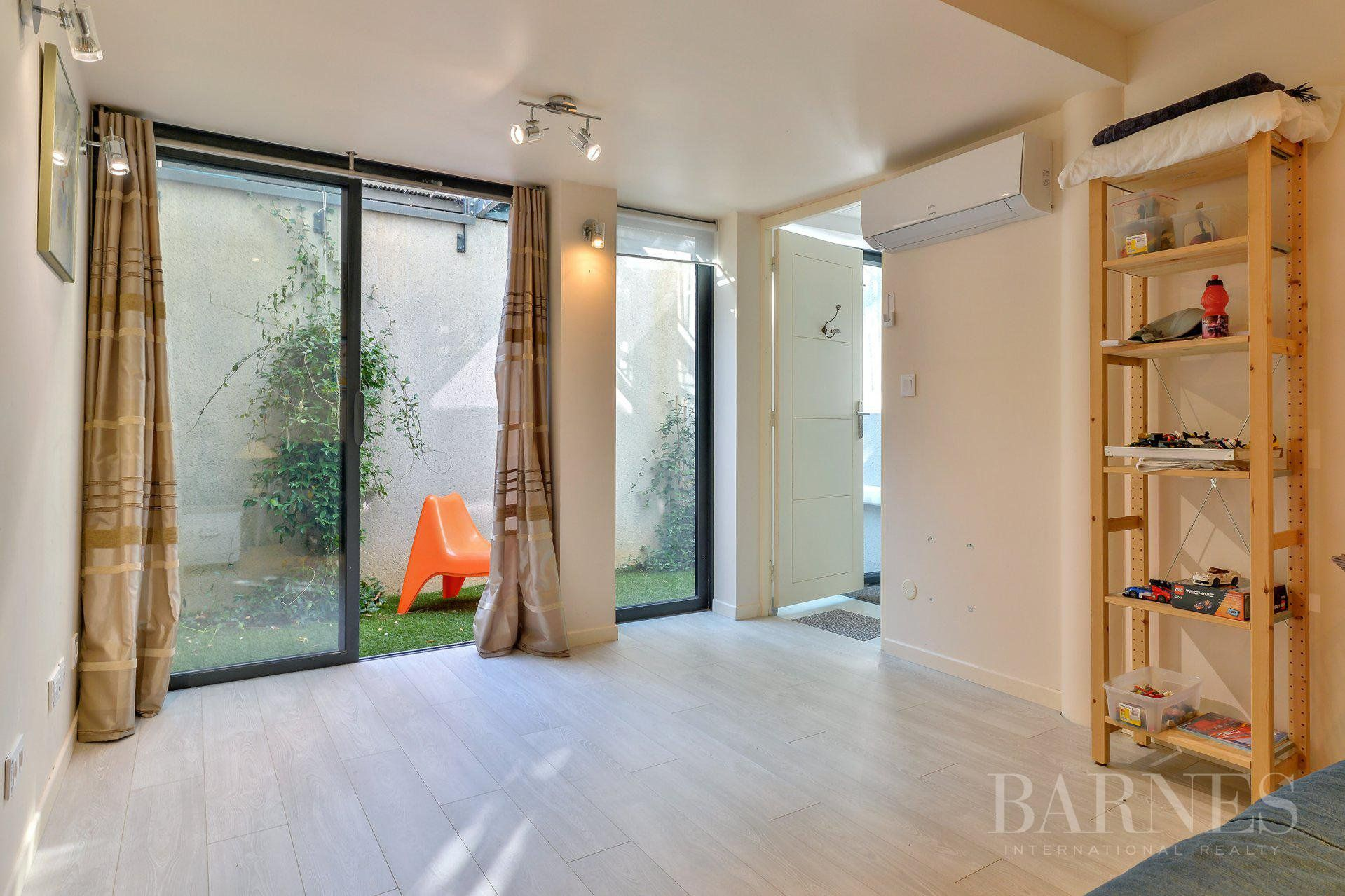 Lyon 3 - Montchat - House of 200 sqm - Garden of 254 sqm - 5 bedrooms