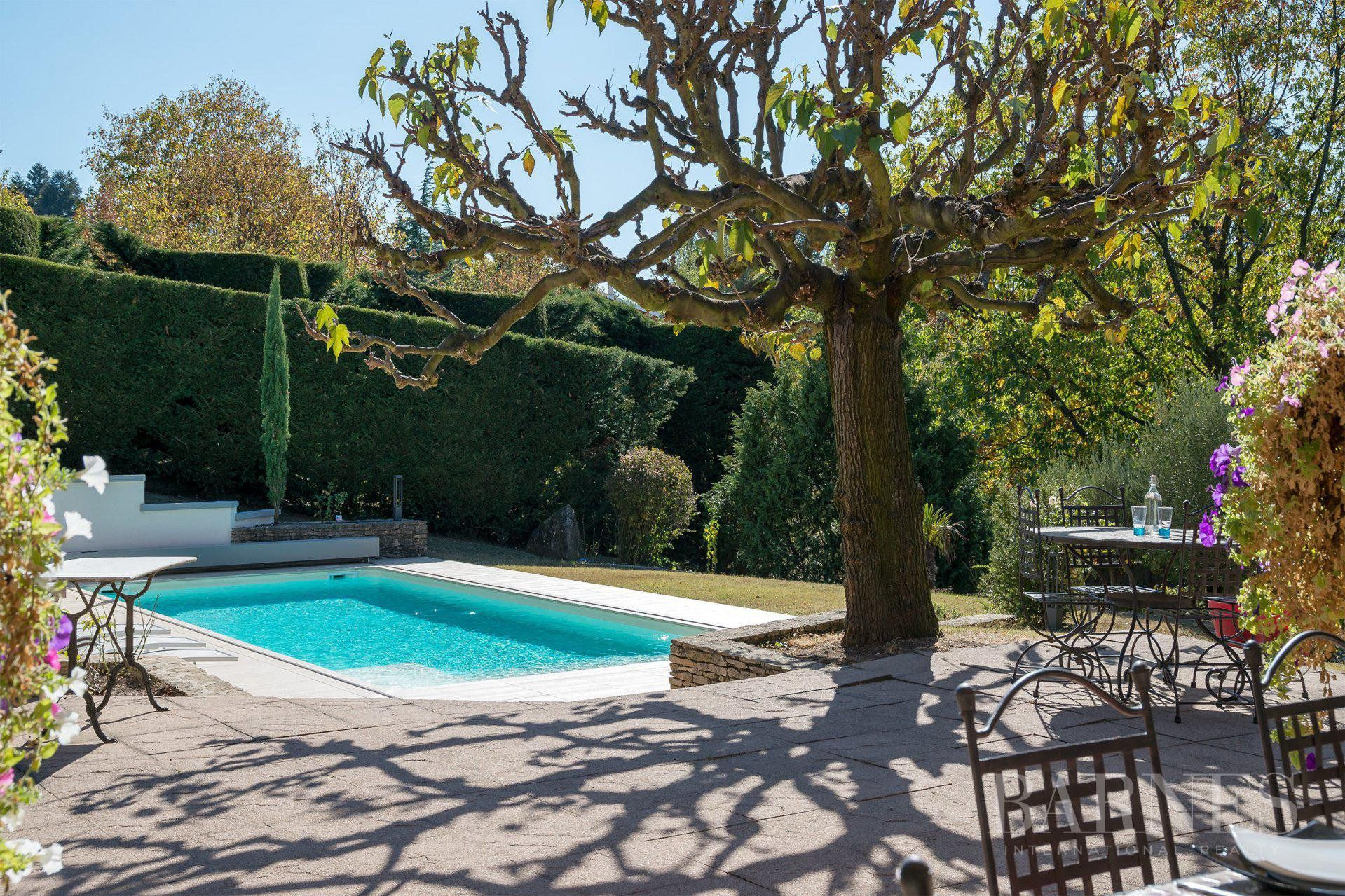 Vourles - 180 sqm family house - 6253 sqm of land with swimming pool - 4 bedrooms