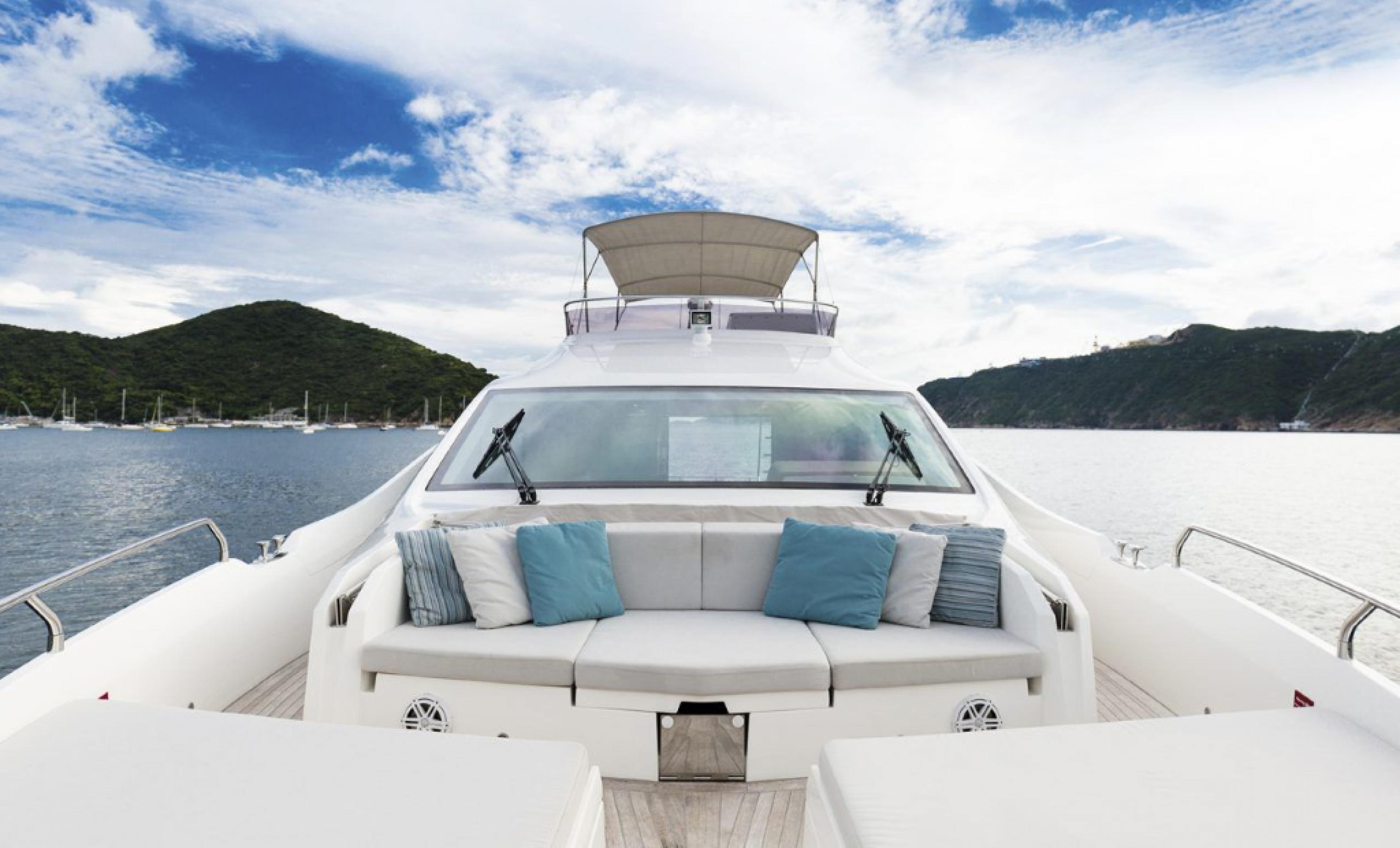 Hong Kong Yacht Charter - HKY5