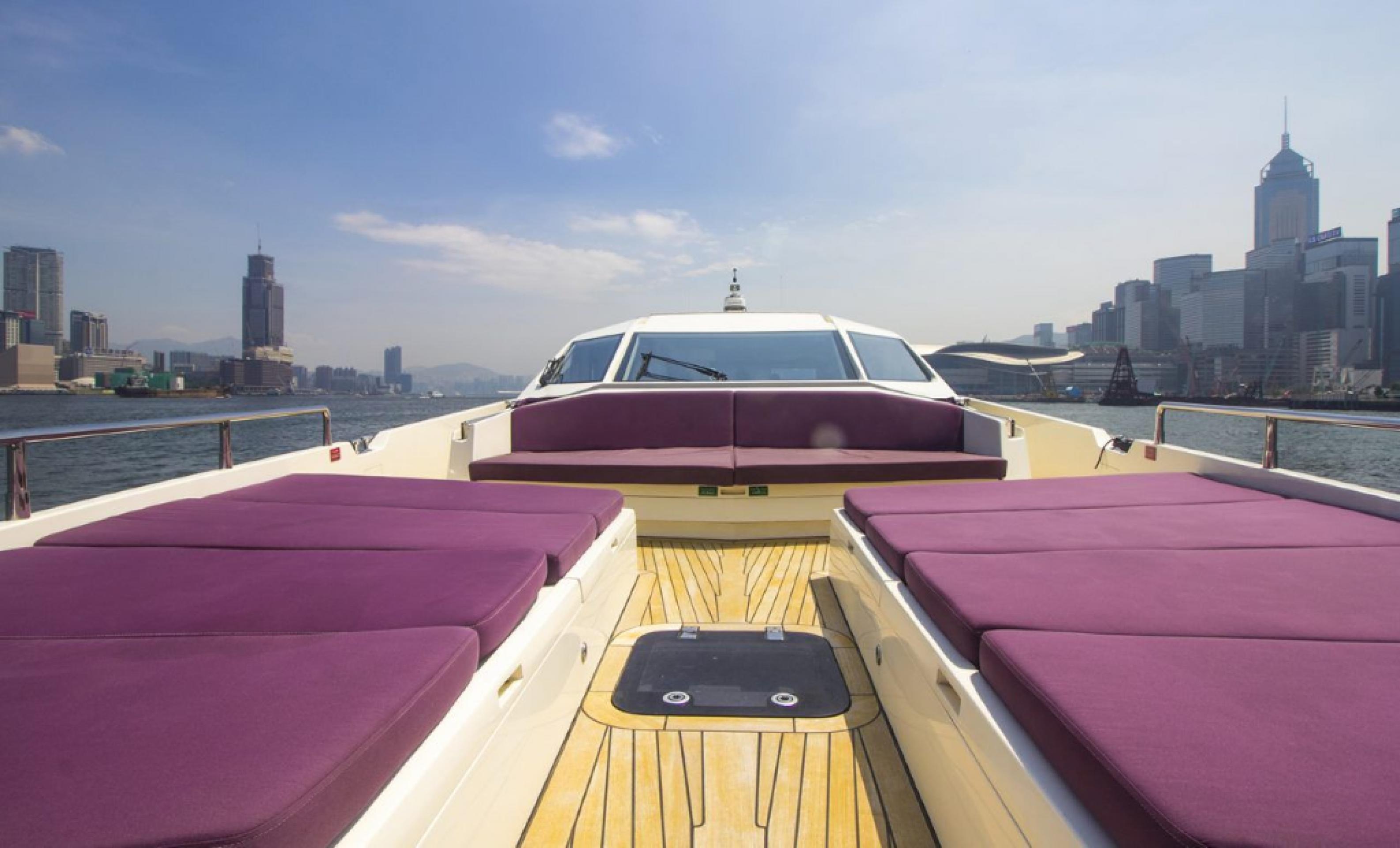 Hong Kong Yacht Charter - HKY7
