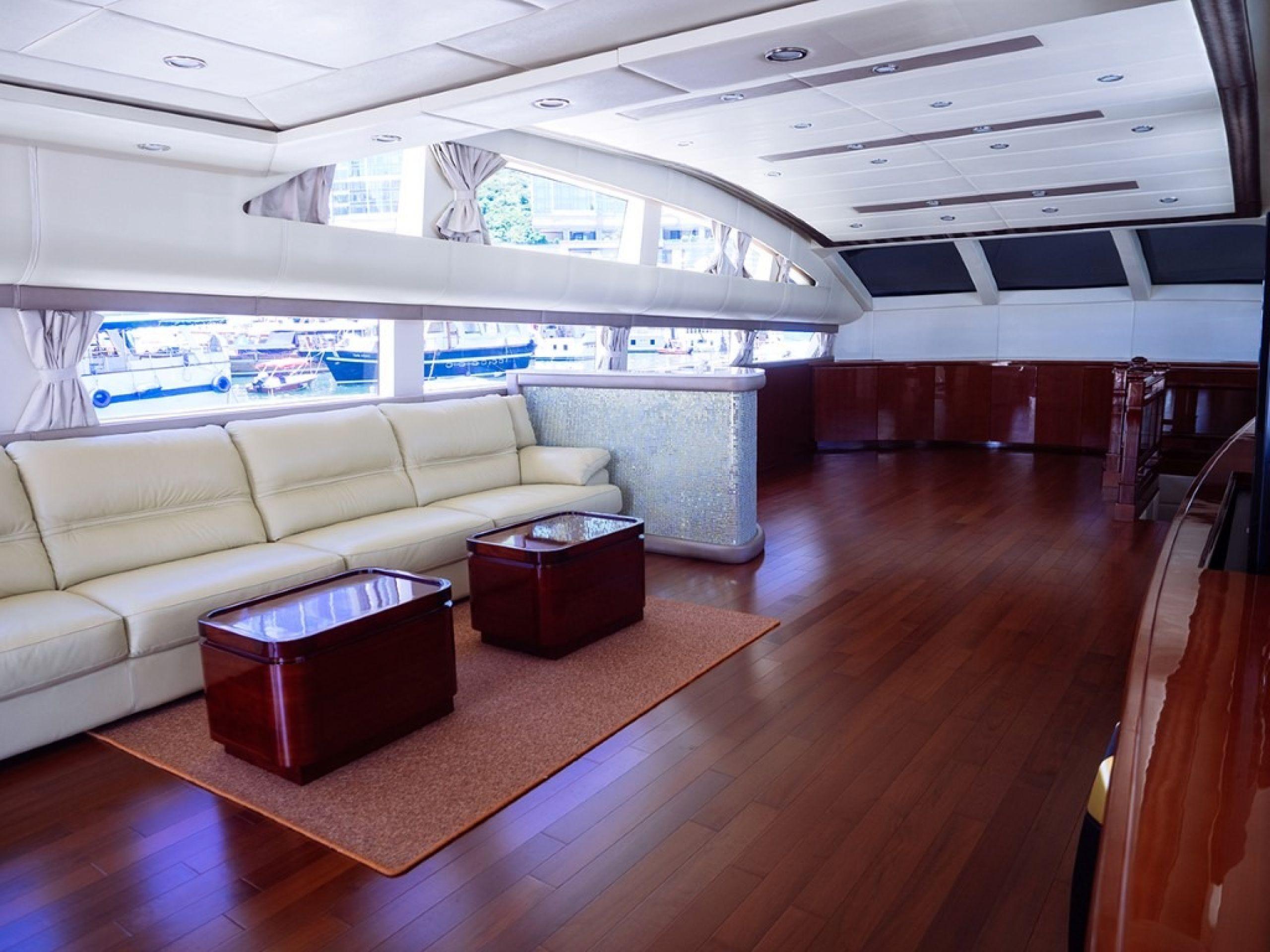 Hong Kong Yacht Charter - HKY8