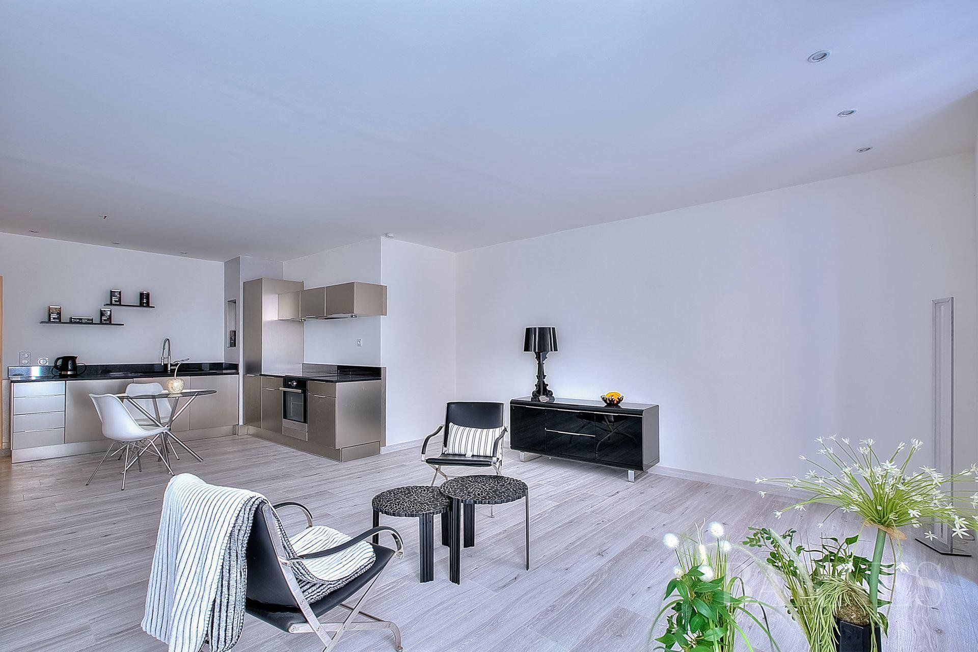 CANNES DOWNTOWN - 2 BEDROOMS APARTMENT - IDEAL RENTAL INVESTMENT