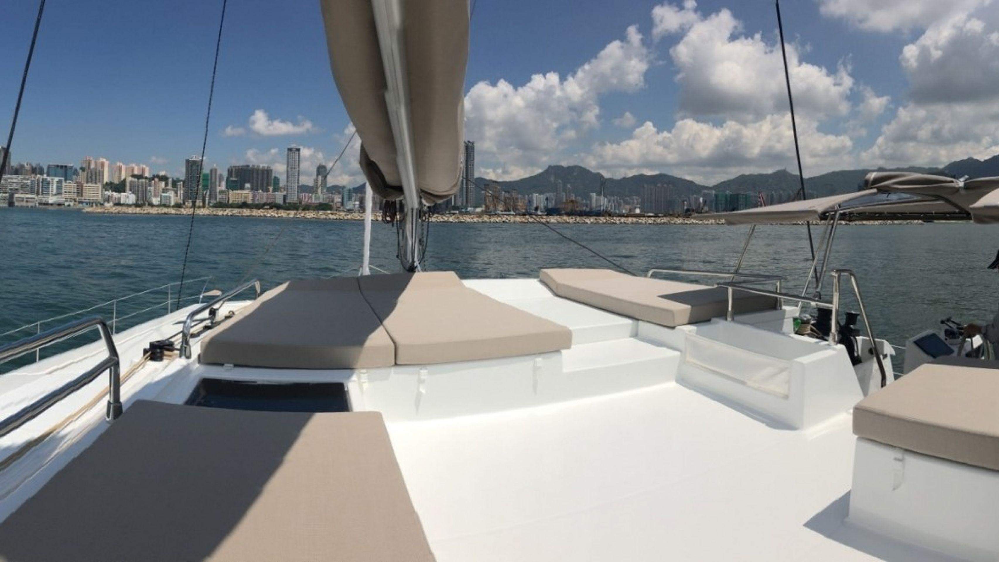 Hong Kong Yacht Charter  - HKY12