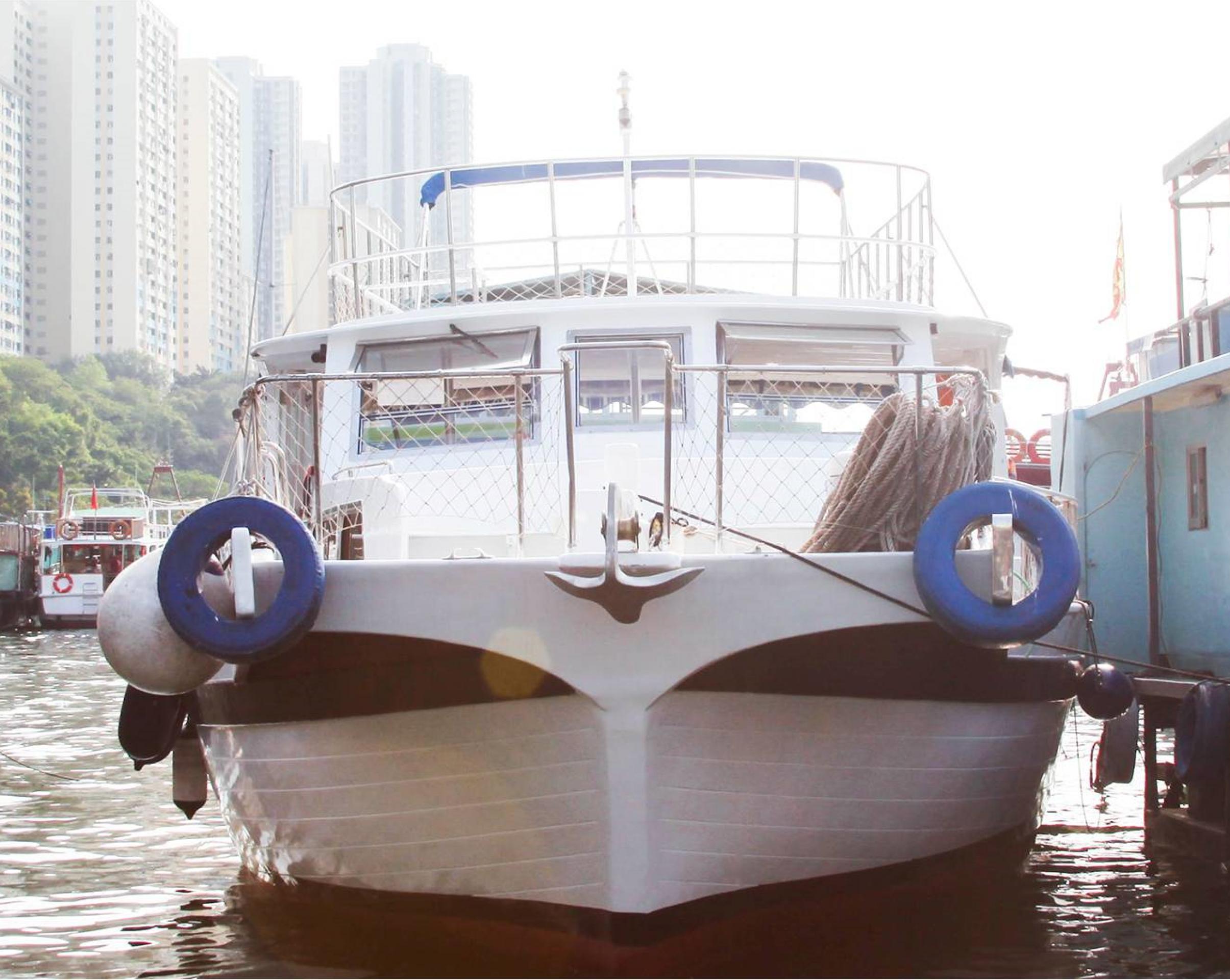 Hong Kong Yacht Charter -HKY15