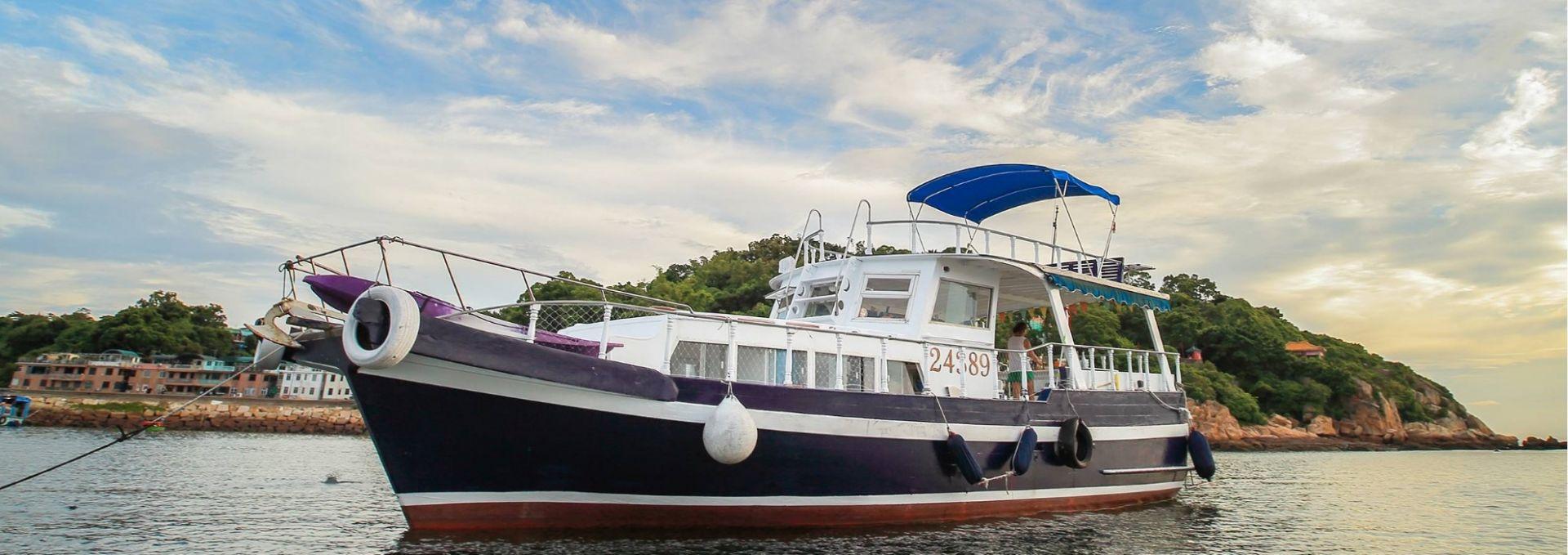 Hong Kong Yacht Charter - HKY17