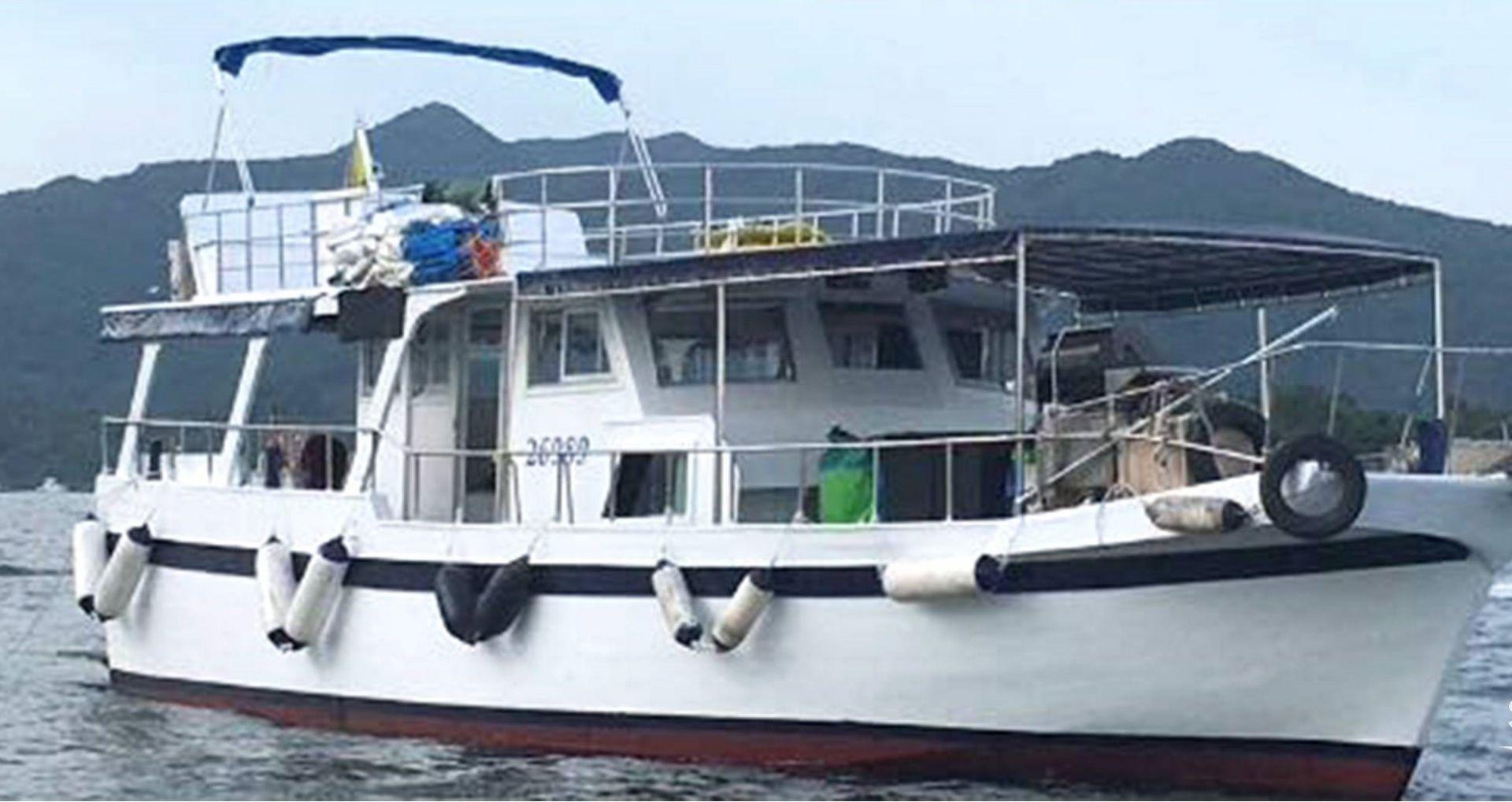 Hong Kong Yacht Charter - HKY18
