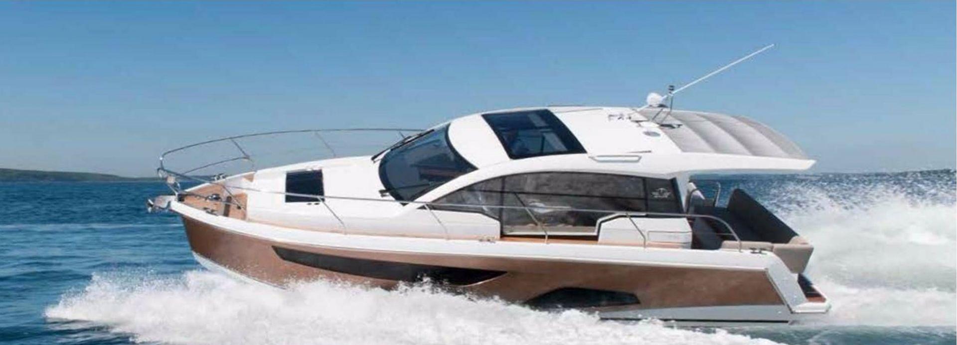 Hong Kong Yacht Charter - HKY29