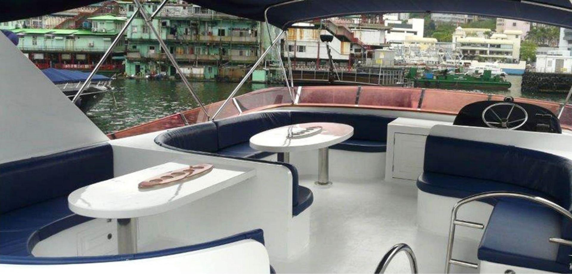 Hong Kong Yacht Charter - HKY34