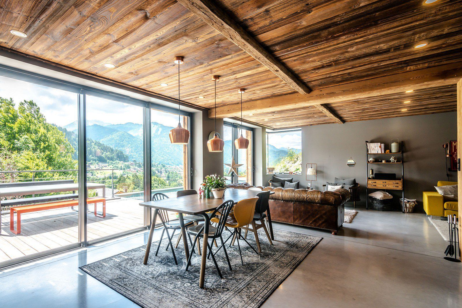 Morzine - Montriond - Chalet of 230 sq. m with swimming pool - 5 bedrooms