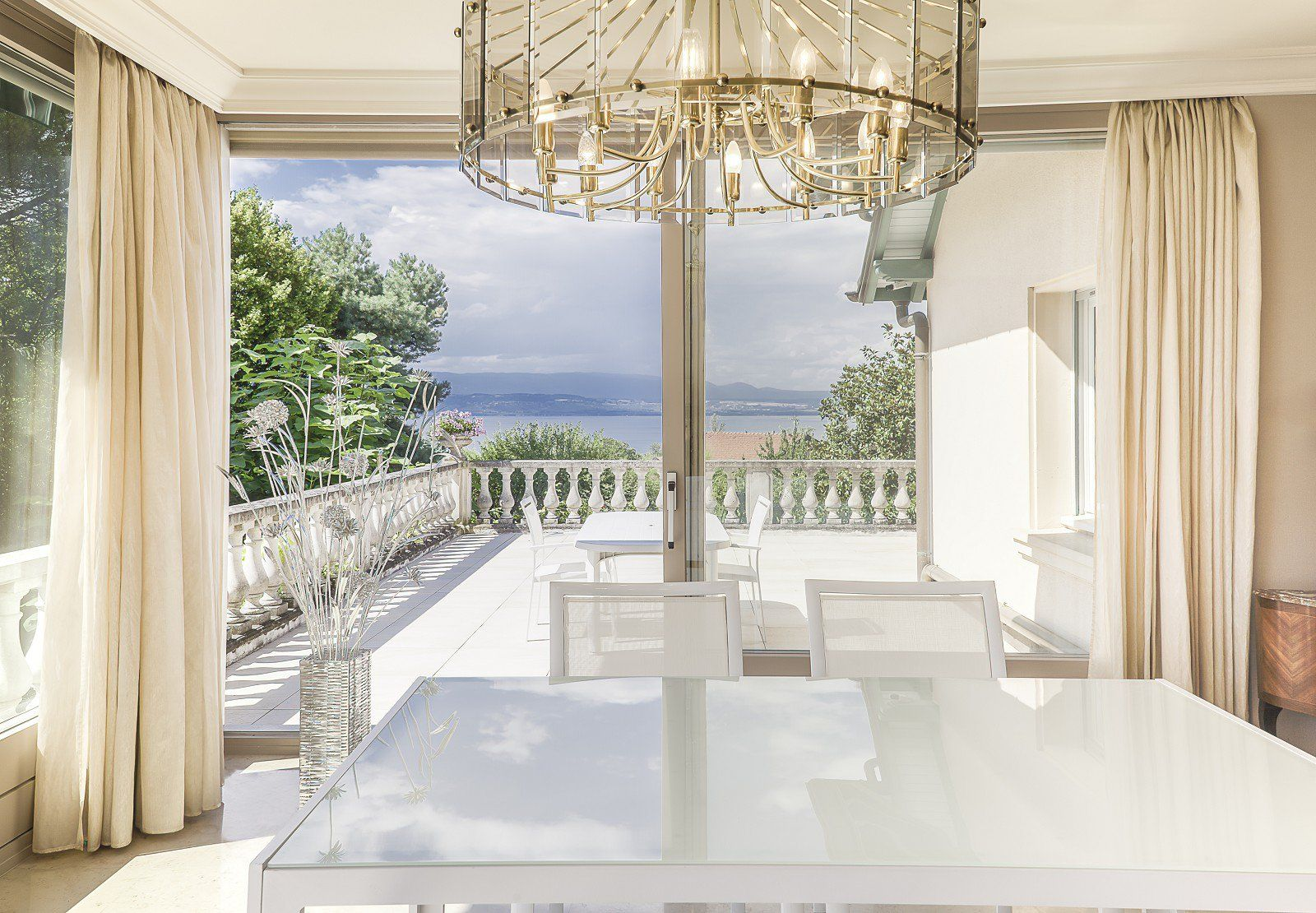 Lake Geneva - Exceptional property overlooking Lake Geneva of 382 sq. m - Park of 6 107 sq. m - 6 bedrooms