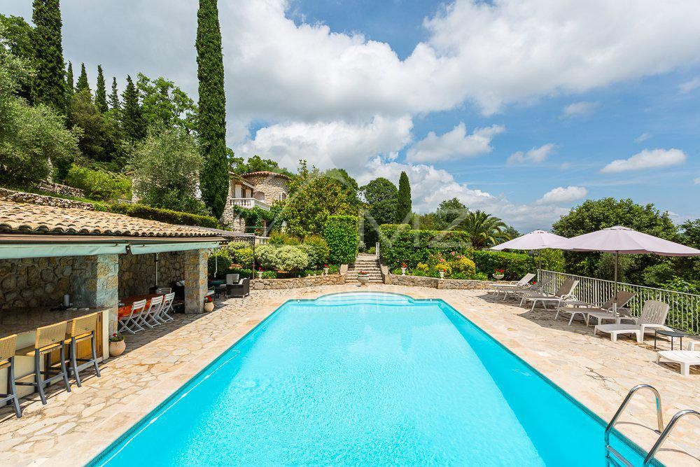 Cannes backcountry - Charming renewed villa