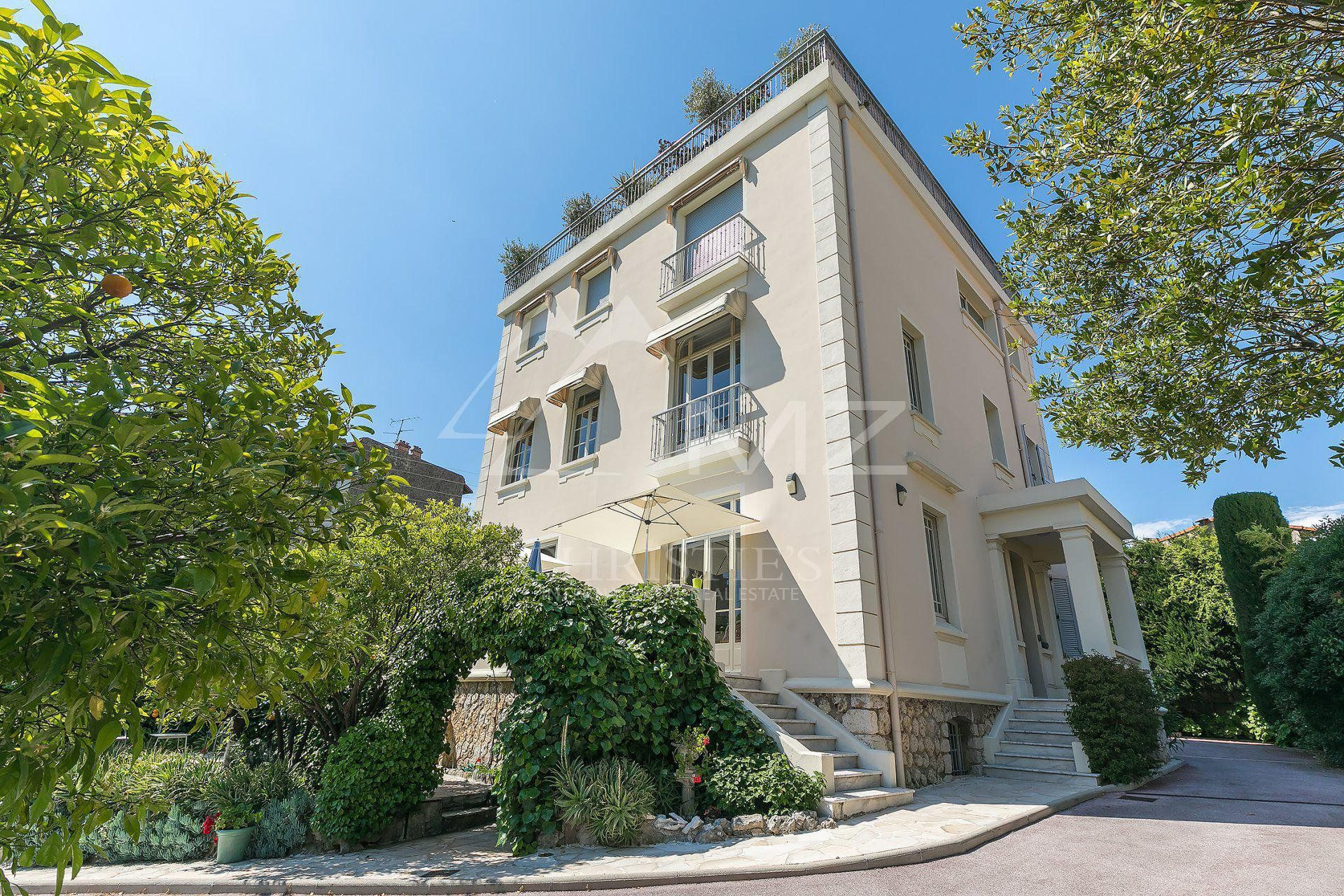 Cannes - Apartment / Villa in a Mansion