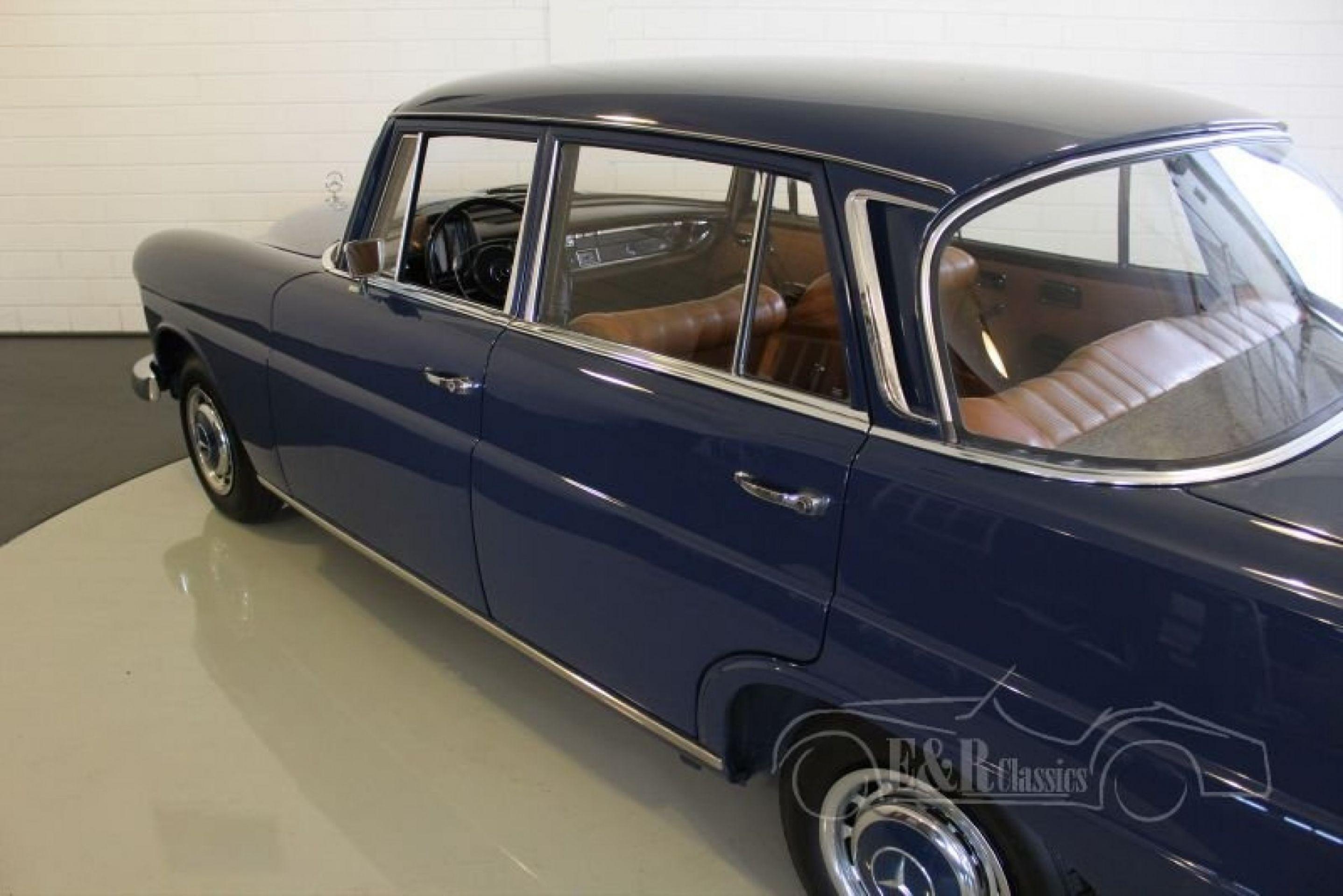MERCEDES-BENZ 200 HECKFLOSSE 1967
