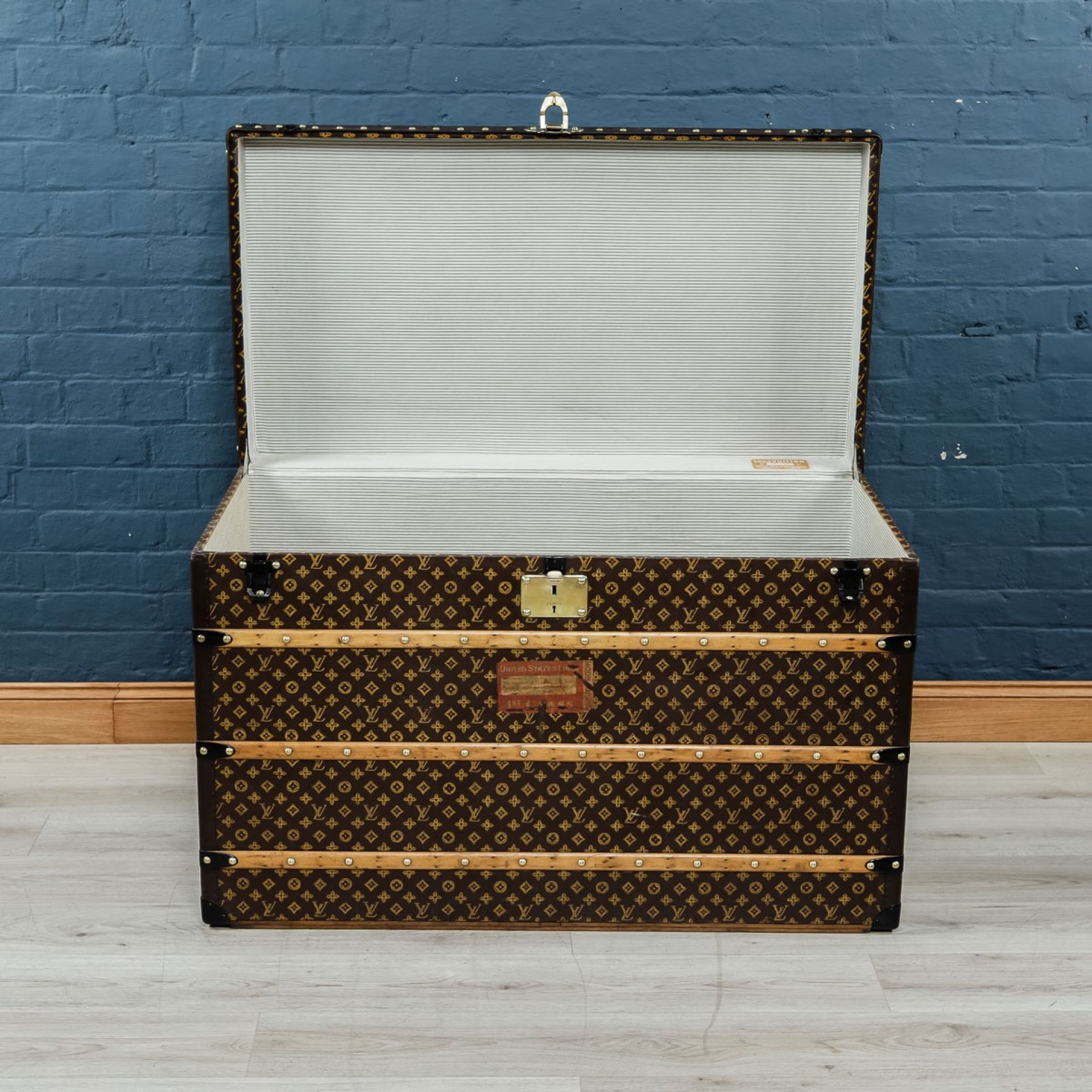 "EARLY 20THC EXQUISITE ""MALLE HAUTE"" LOUIS VUITTON TRUNK"