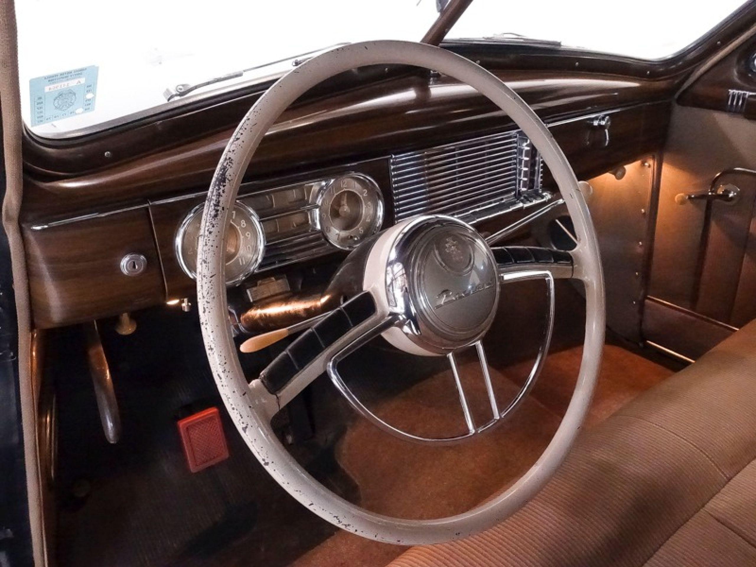 1949 Packard Super Eight Touring Sedan