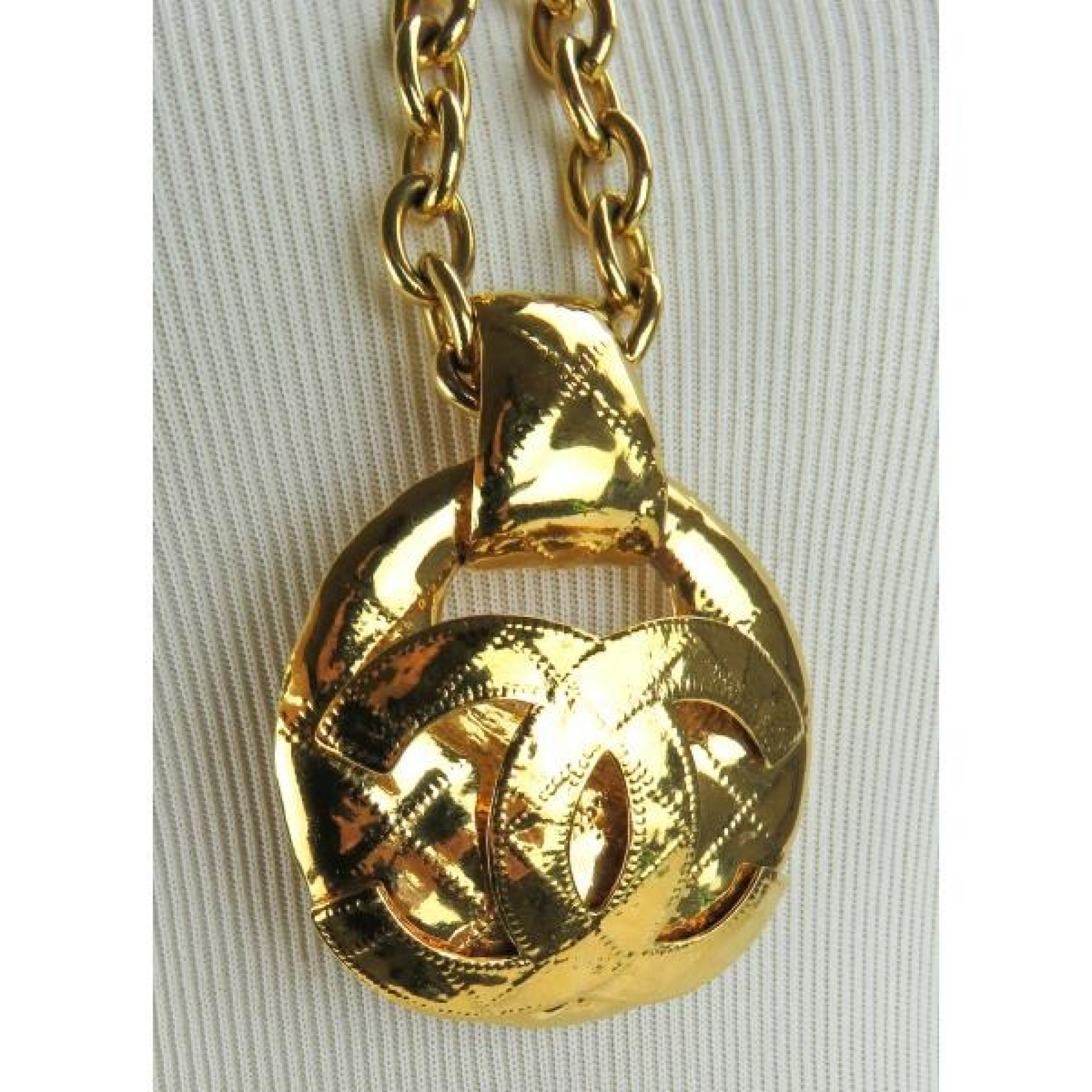 Chanel Gold-Tone Medallion Chain CC Logo Pendant Necklace