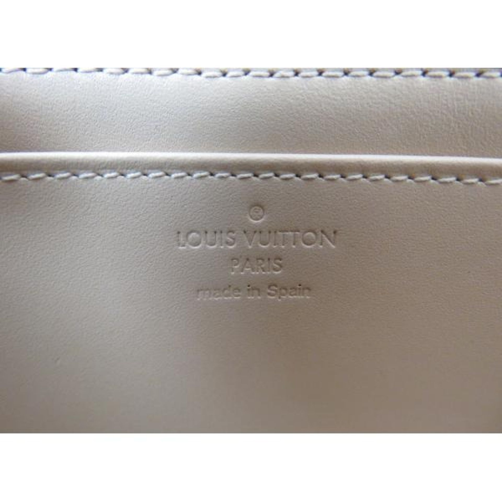 https://mymoshposh.com/all/Louis-Vuitton-Azur-Damier-Canvas-Limited-Edition-Lugg
