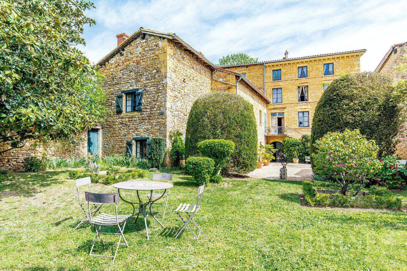 Légny - Le Bois-d'Oingt - 300 sqm house with character - 1128 sqm plot - 4 bedrooms
