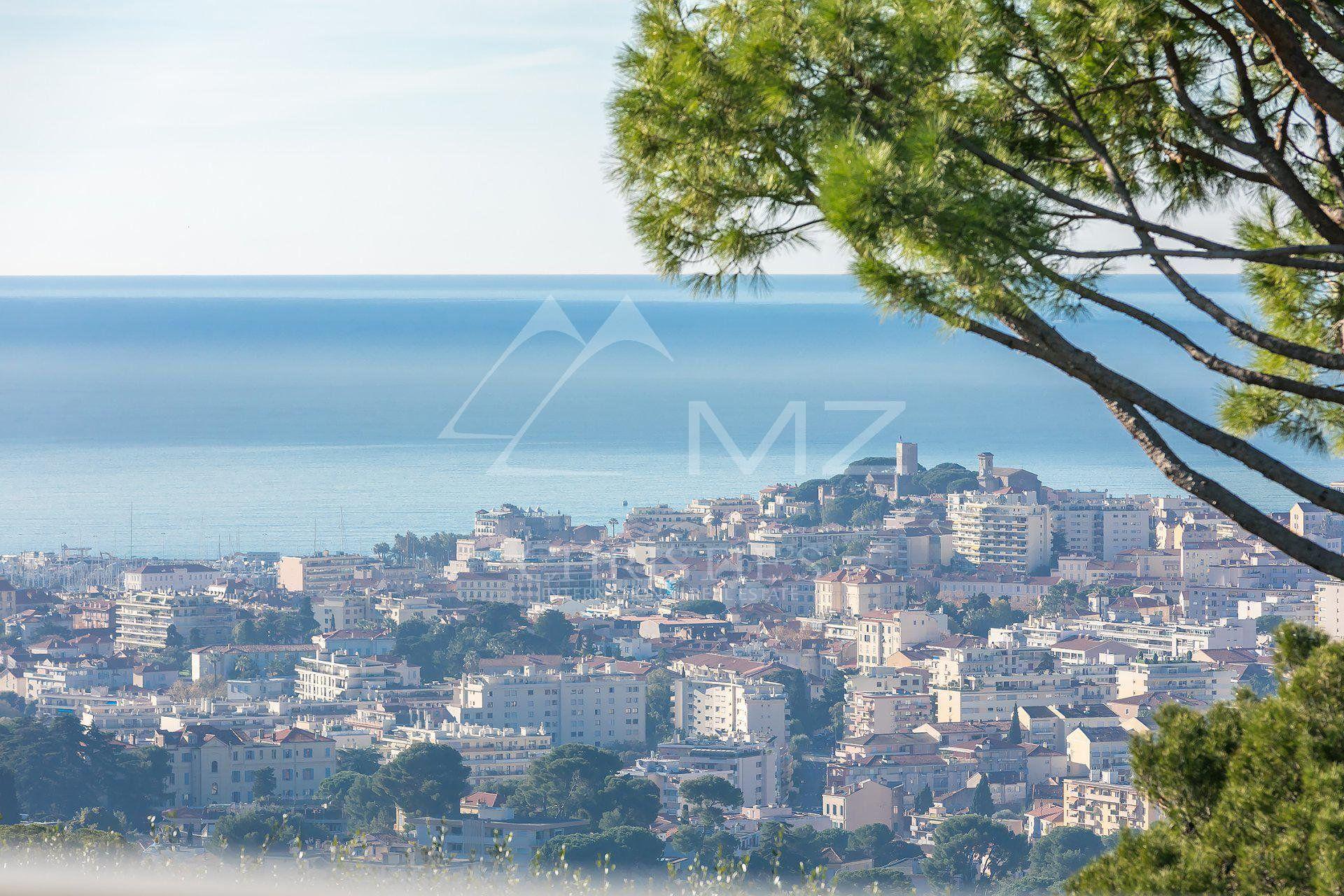 Proche Cannes - Sur les hauteurs - Appartement rénové