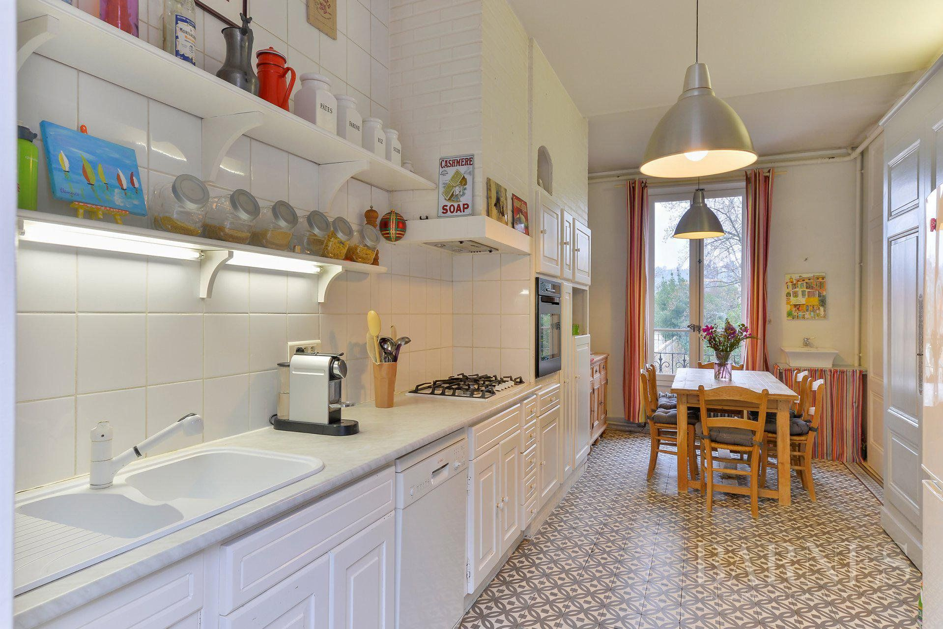 Collonges-au-Mont-d'Or - Property of 500 sqm - Land of 3880 sqm - 6 bedrooms