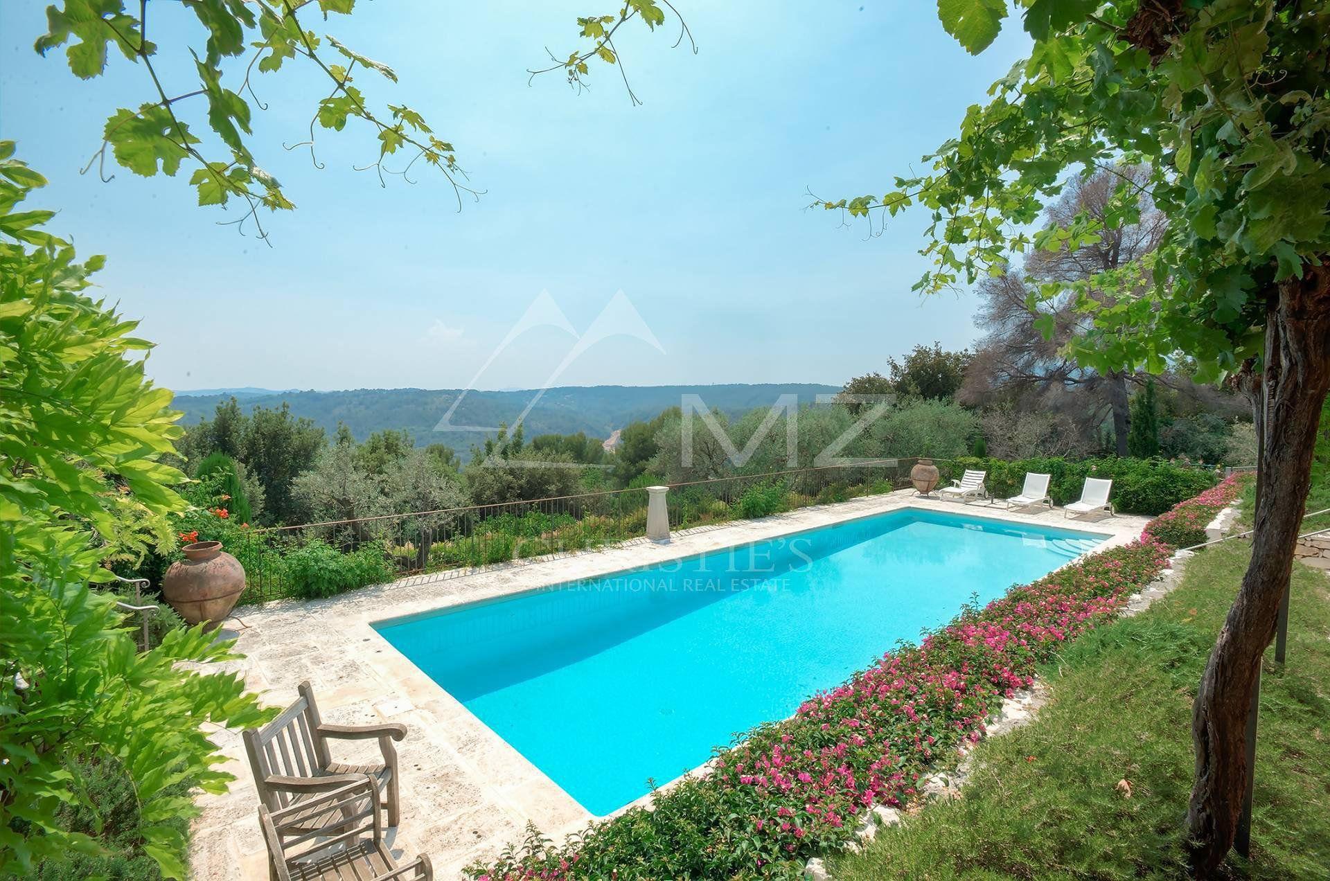 La Colle-sur-Loup - Charming Provencal property