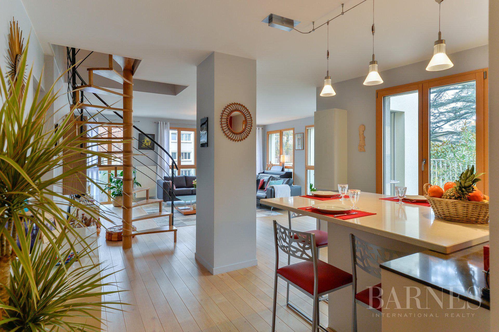 Lyon 5 - Point du Jour - Duplex of 154 sqm with terrace - 5 bedrooms