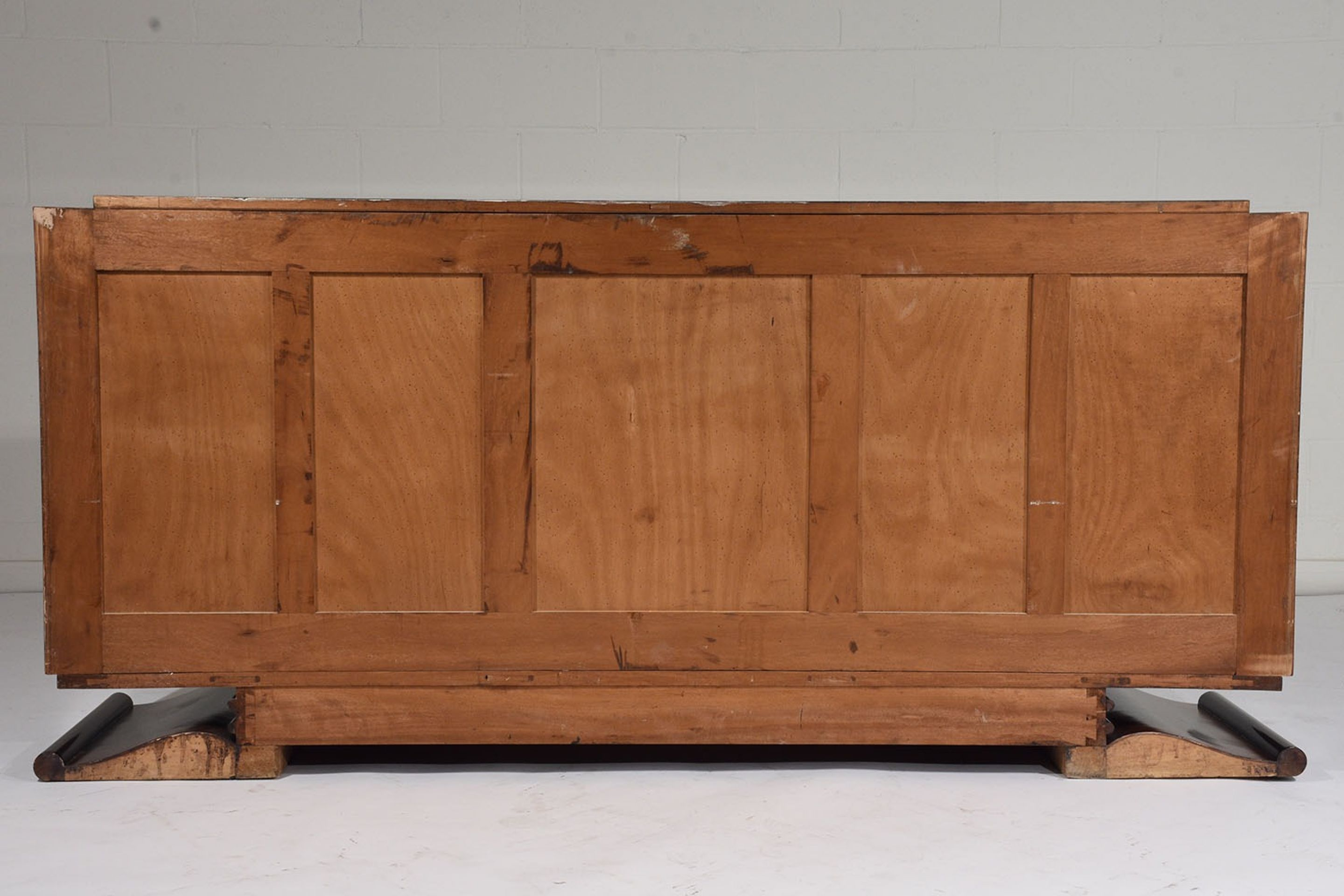 French Art Deco-style Buffet