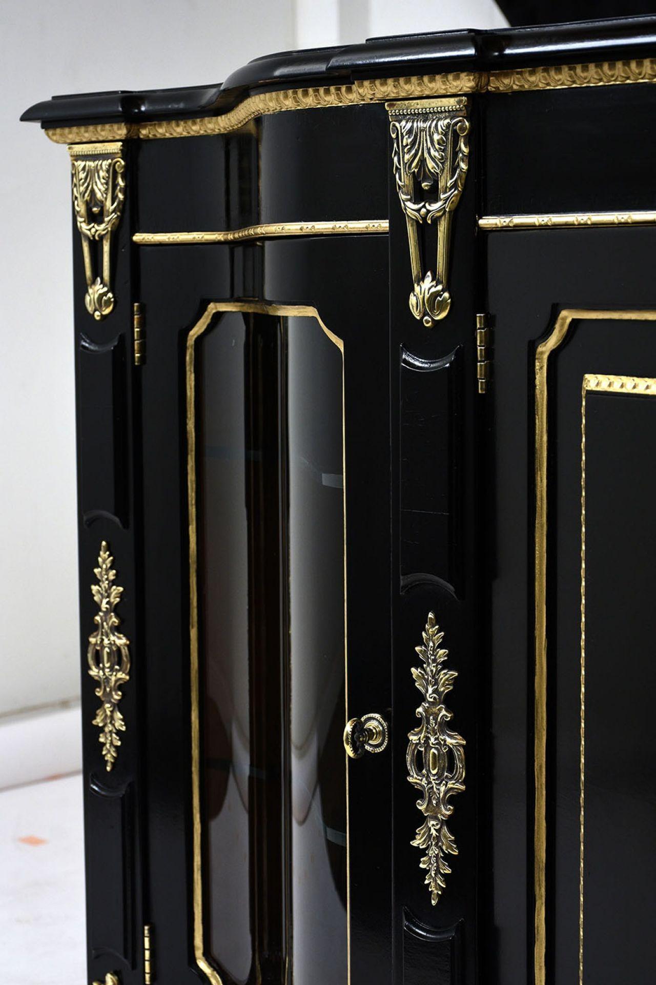 Henredon Louis XVI-style Ebonized Buffet