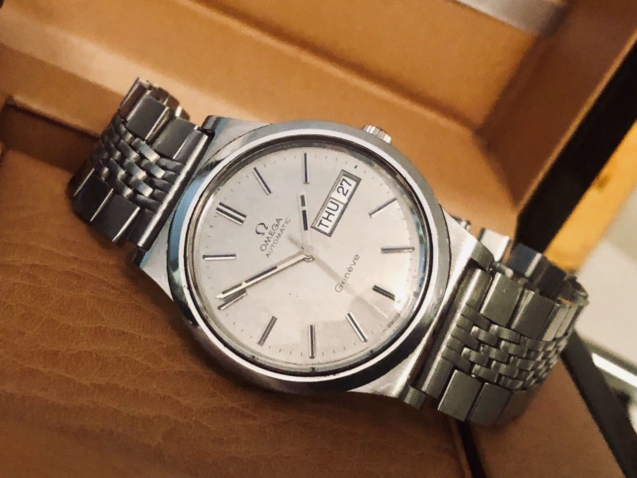OMEGA VINTAGE RARE DAY DATE GENEVE CAL 1022 AUTOMATIC MECHANICAL WATCH STEEL