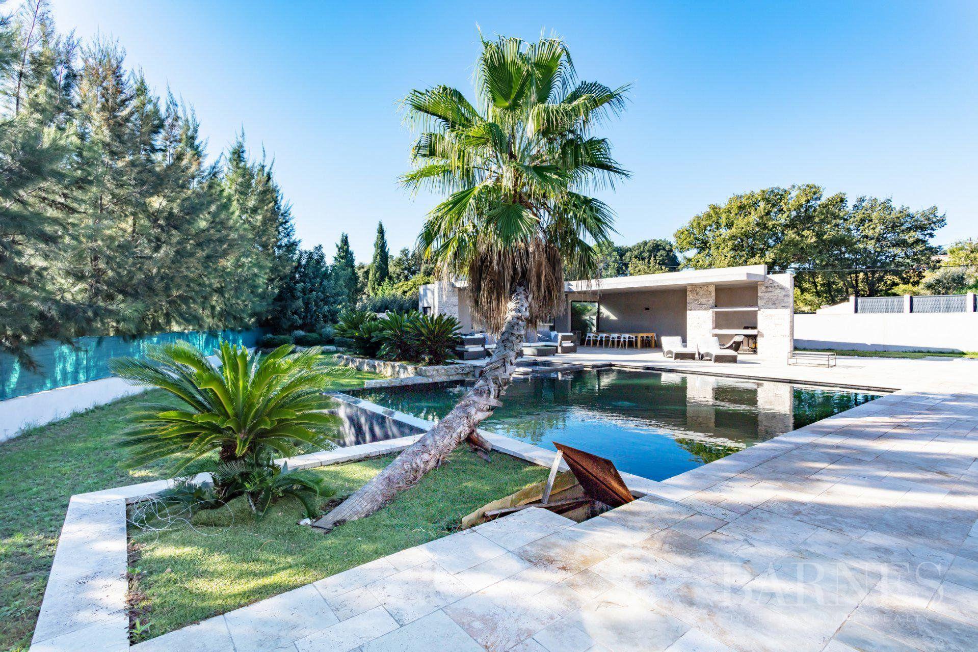 Gulf of Saint-Tropez - Modern villa with swimming-pool
