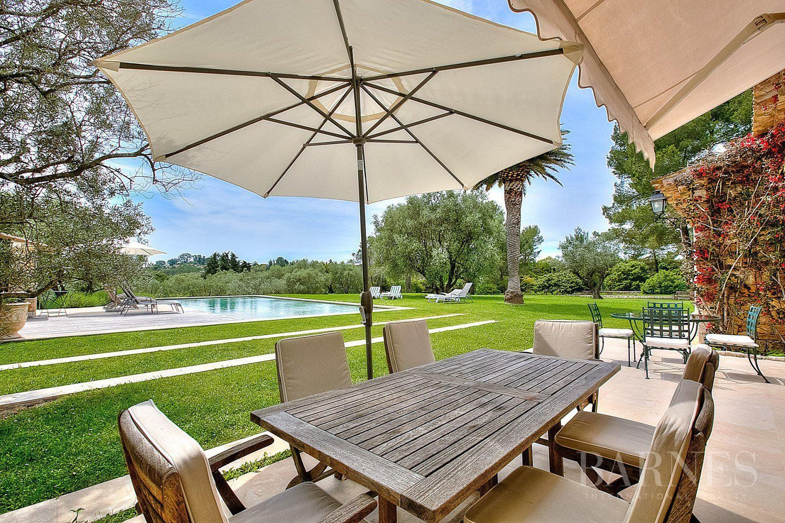 MOUANS SARTOUX - SPLENDID STONE MAS - 8 BEDROOMS - POOL - LARGE GARDENS