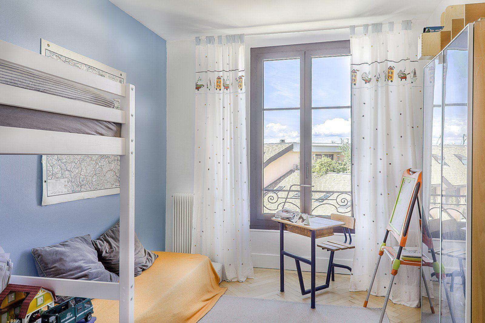 Exclusive -  Thonon - Apartment of 137 sq. m - 3 Bedrooms - Garage - Cellar