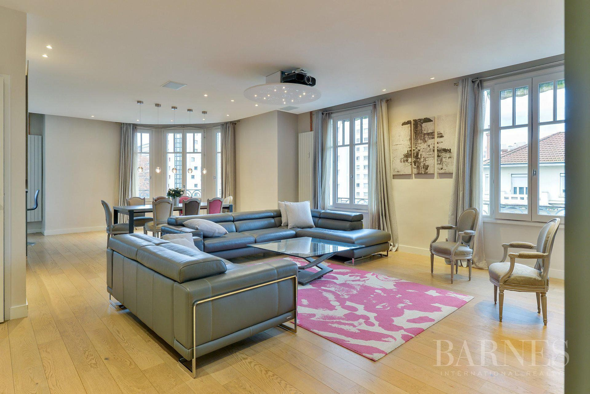 Lyon 6 - 163 sqm family apartment - 4 bedrooms