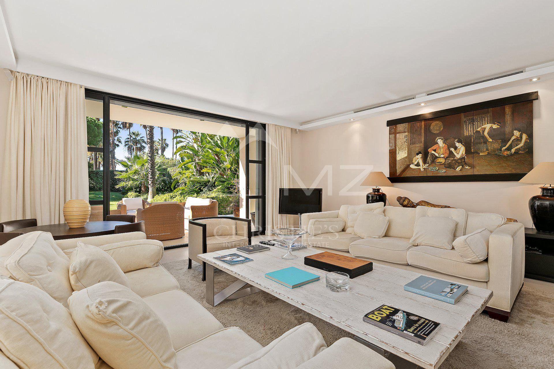 Cannes - Croisette - Unique villa