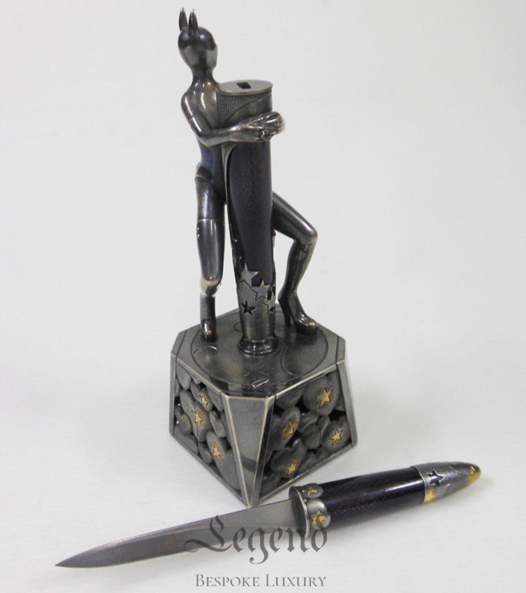 Catwoman hidden knife desktop statue - luxury handcrafted creation | Legend