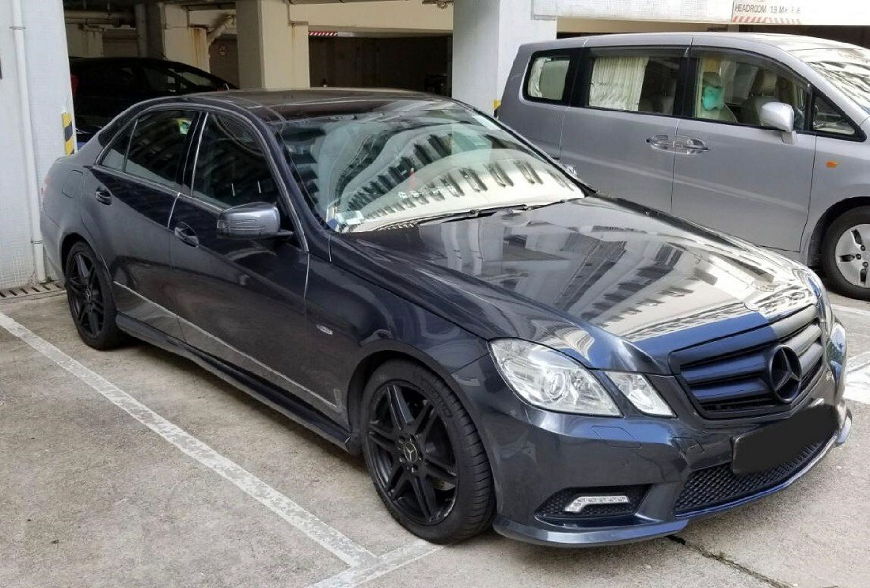 2010 Mercedes Benz E250 CGI BLUEEFFICIENCY AV