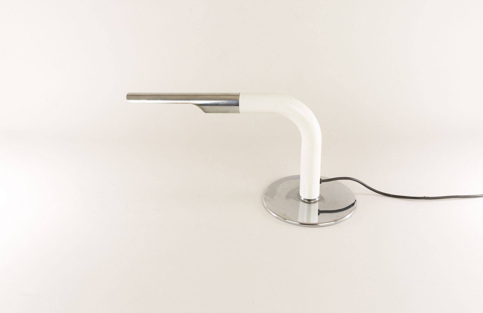Chrome and white lacquered table lamp model Gulp by Ingo Maurer for Design M, 19