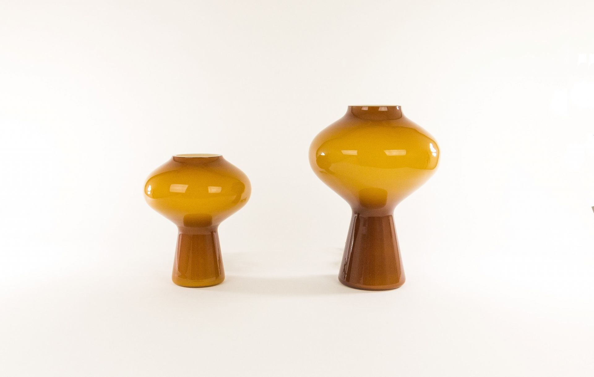 Amber hand-blown Fungo table lamp (large) by Massimo Vignelli for Venini, 1950s