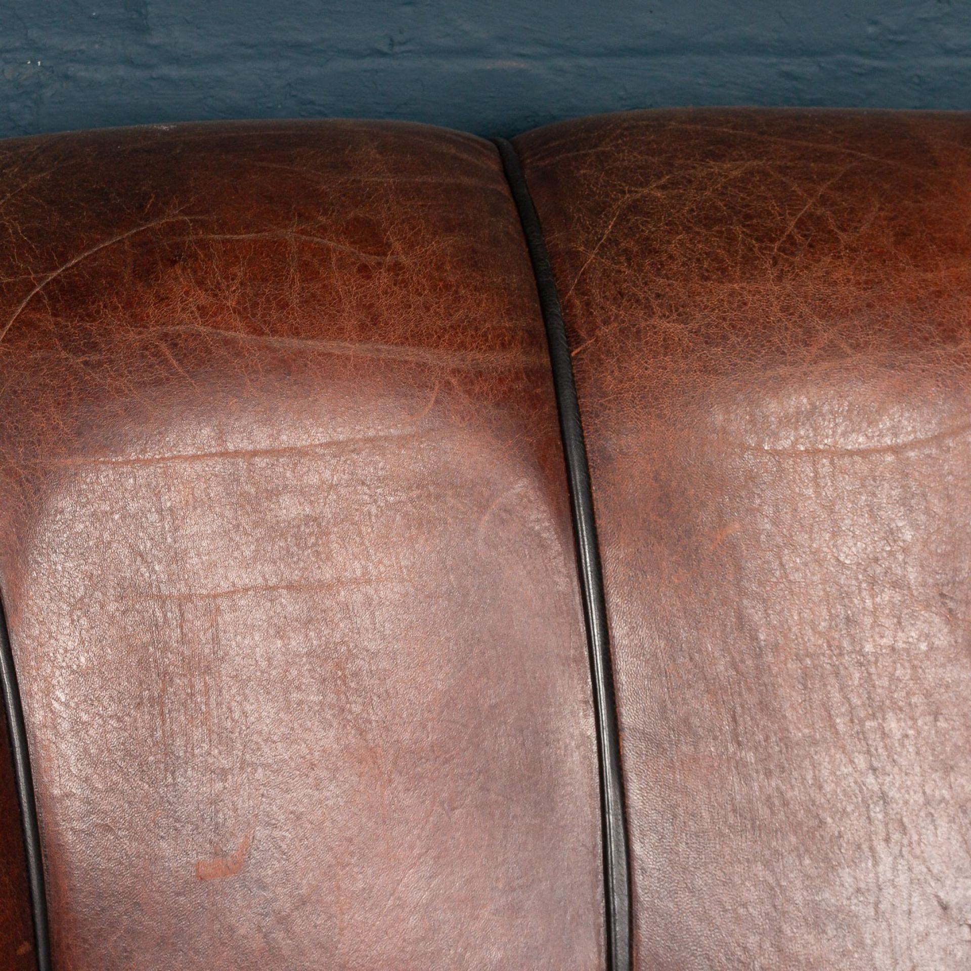 SUPERB LATE 20thC SCALLOP BACK TWO SEATER SOFA IN SHEEPSKIN LEATHER SOFA